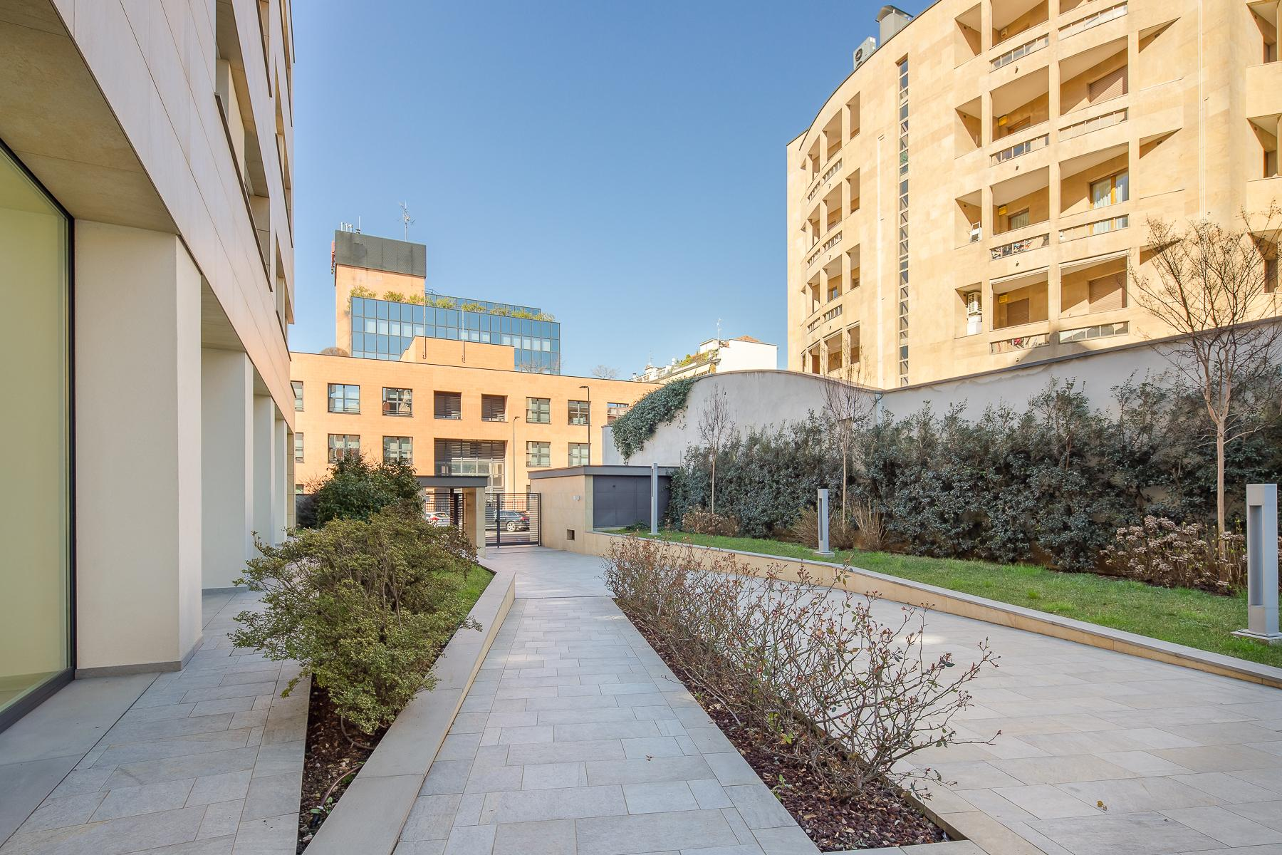 Prestigious penthouse of 320 sqm with terrace and beautiful 360° view - 32