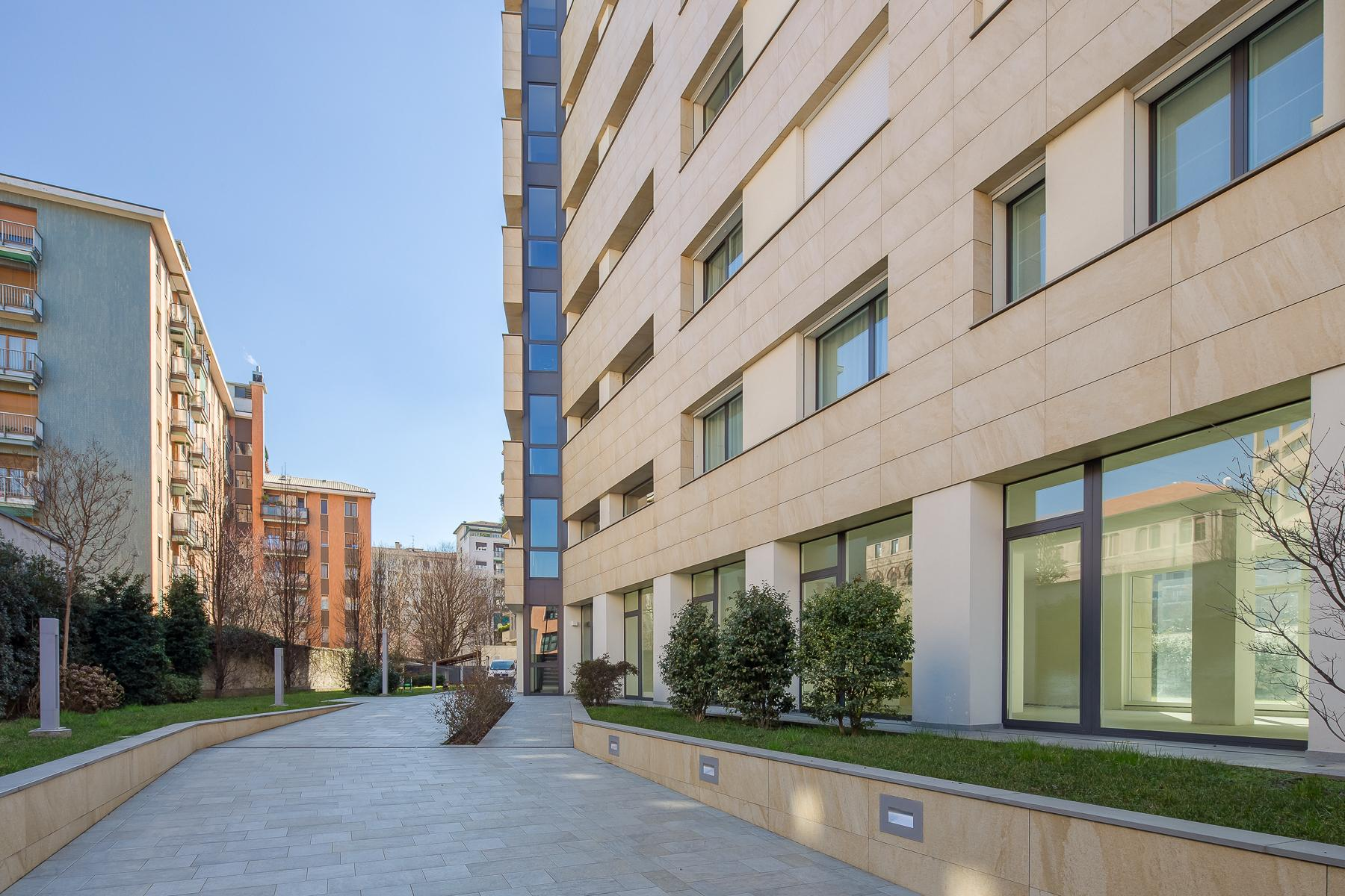 Prestigious penthouse of 320 sqm with terrace and beautiful 360° view - 21