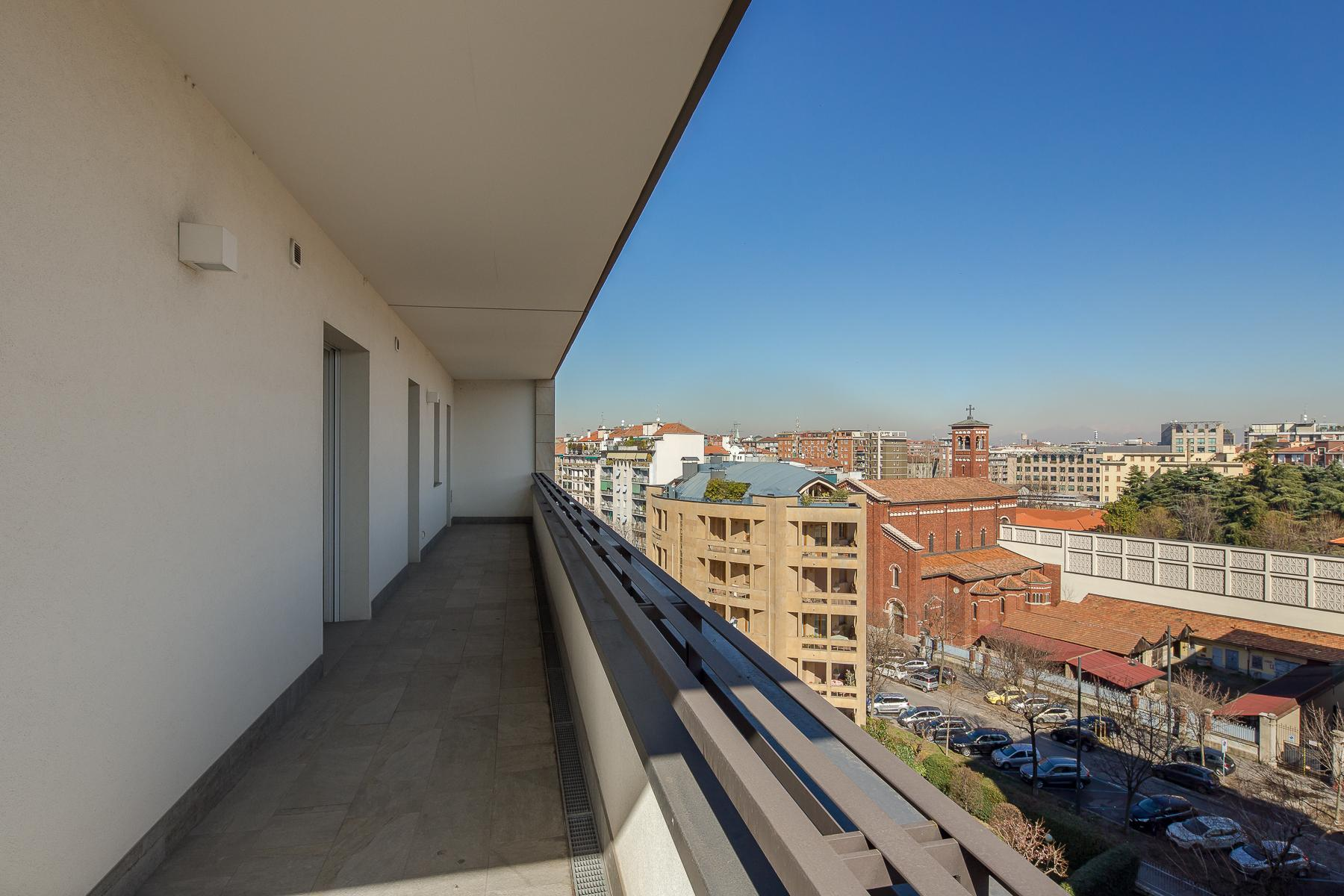 Prestigious penthouse of 320 sqm with terrace and beautiful 360° view - 34