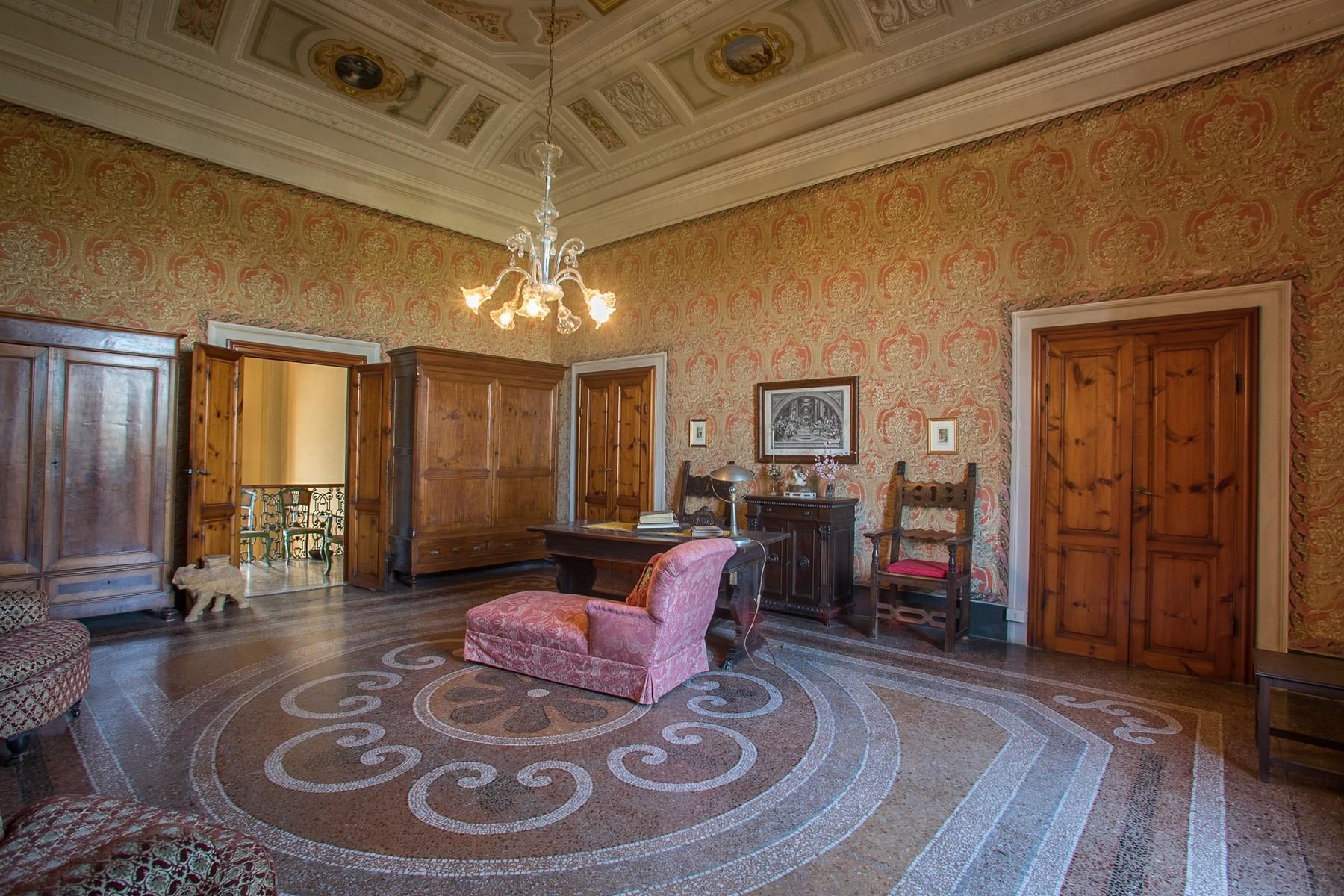 Elegant Historic Villa  in 23 Hectare Estate in the Province of Pisa. - 10