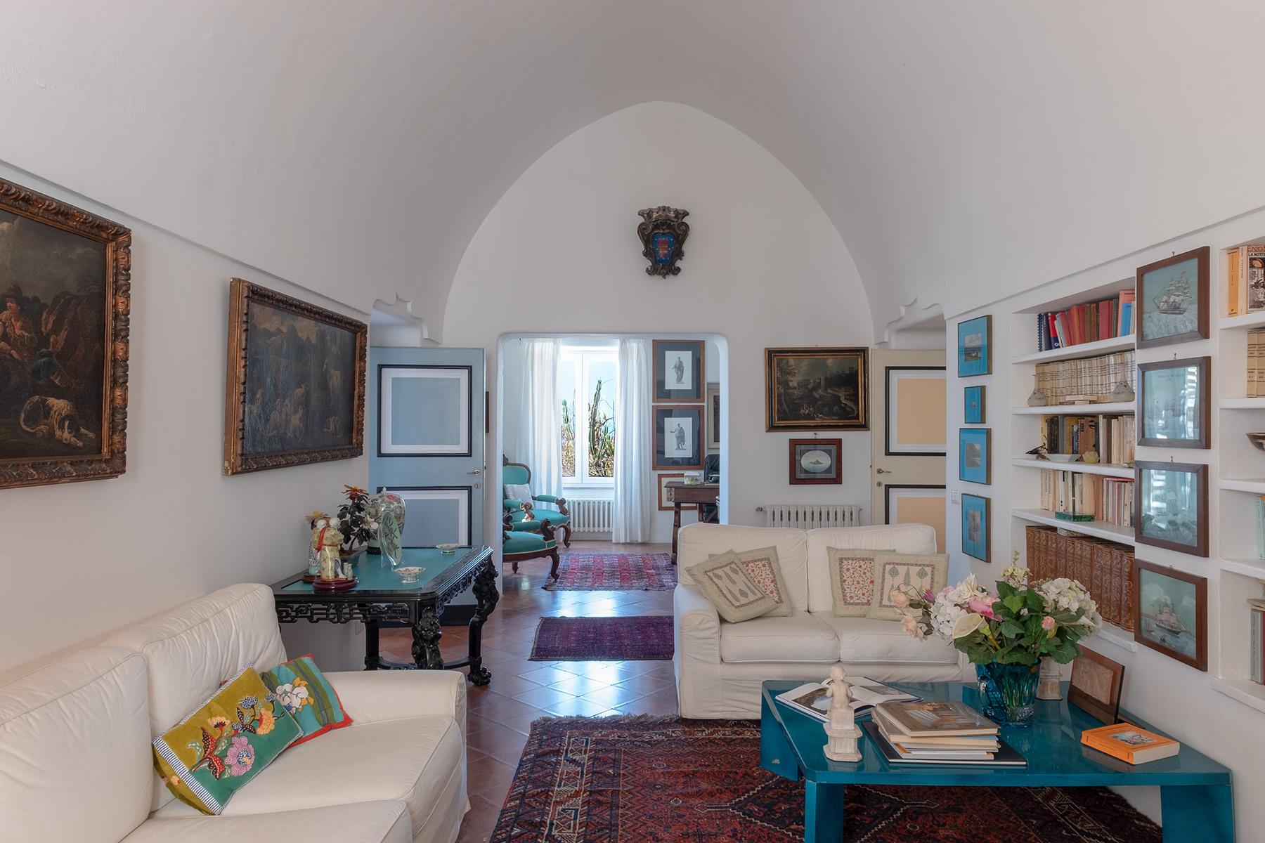Historical house with seaview in the heart of Anacapri - 11