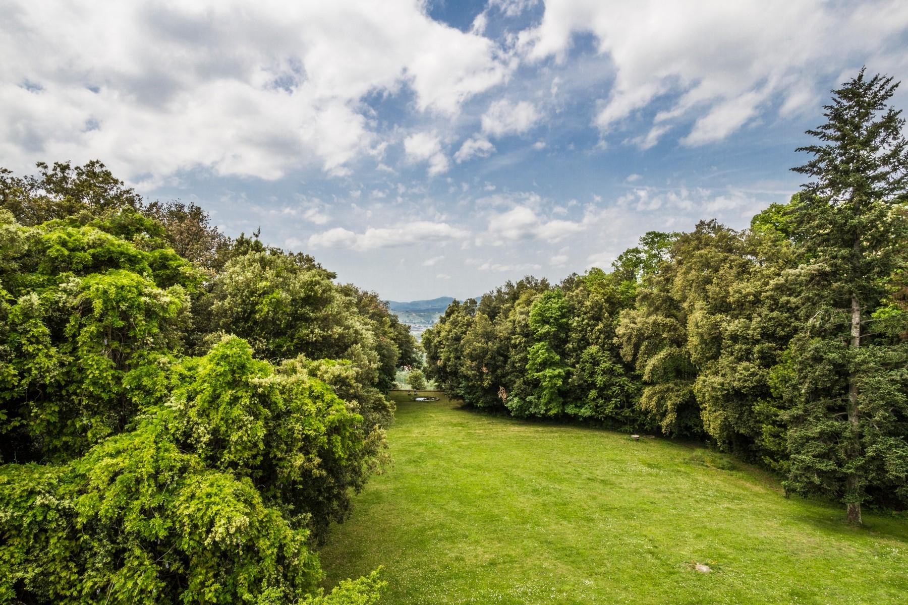 Luxury apartment in exclusive resort with historic villa on the  hills of Lucca - 11