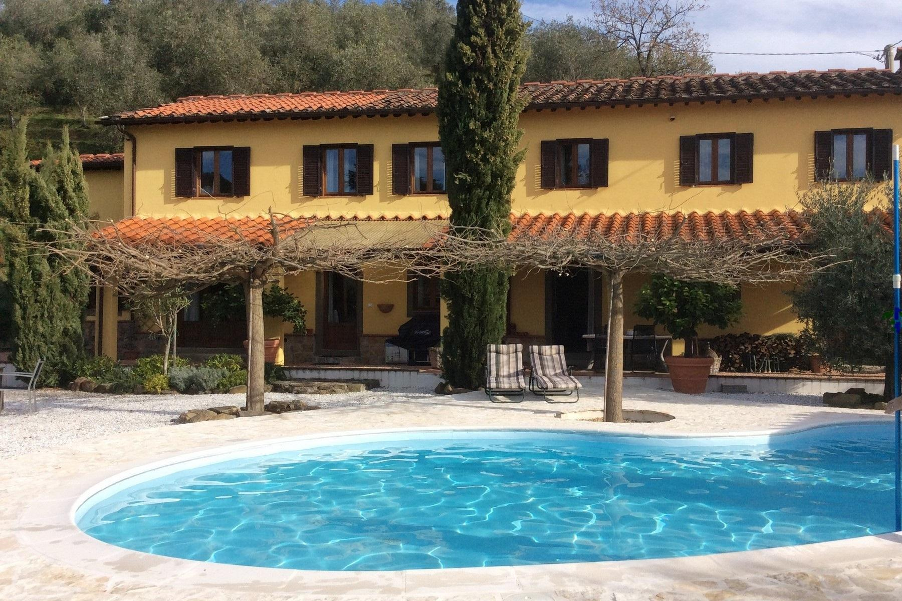 Villa with pool on the hills of Pescia - 1