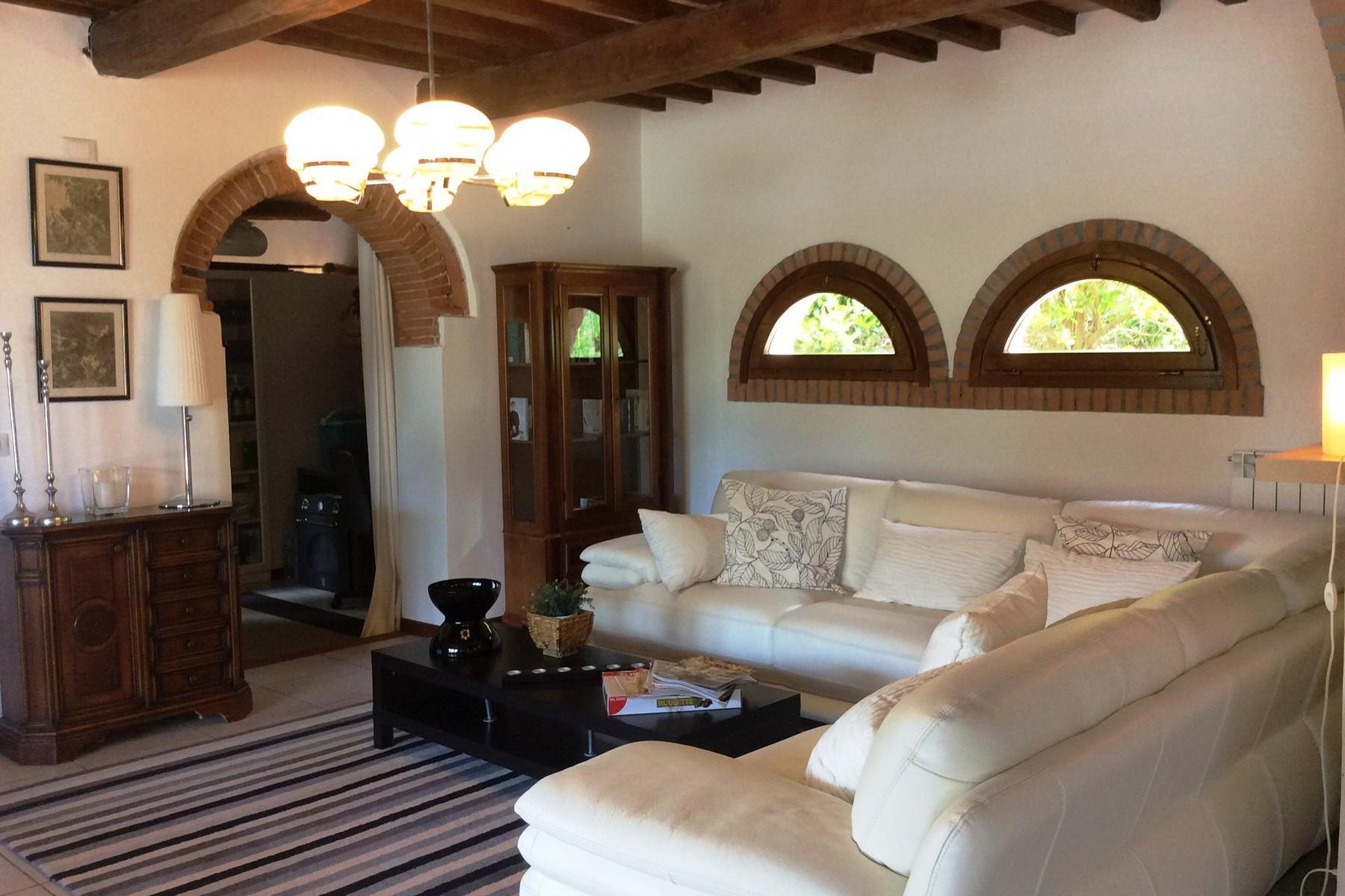 Villa avec piscine sur les collines de Pescia - 9