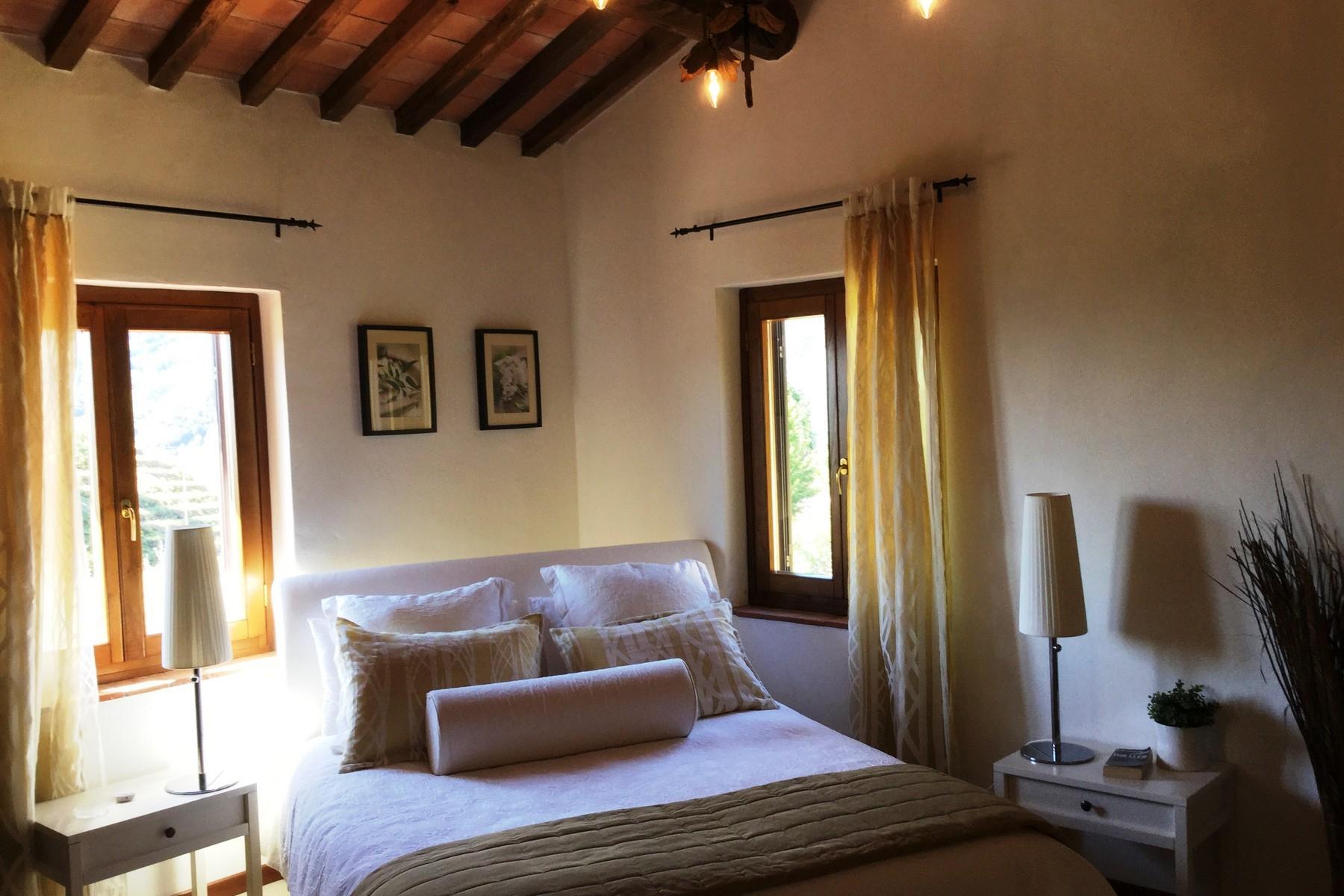 Villa avec piscine sur les collines de Pescia - 12