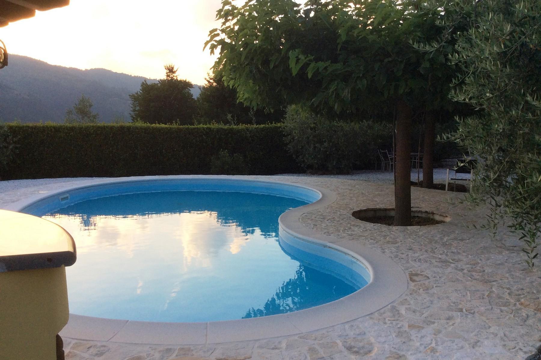 Villa avec piscine sur les collines de Pescia - 21