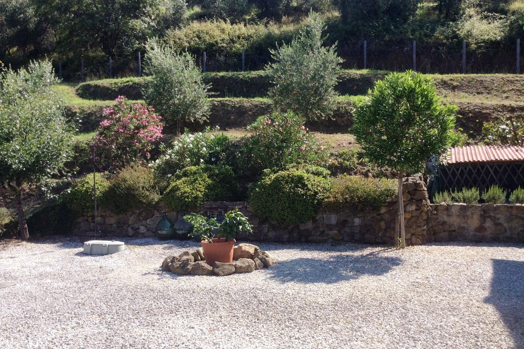Toskanisches Bauernhaus mit Pool auf den ersten Hügeln von Pescia - 25