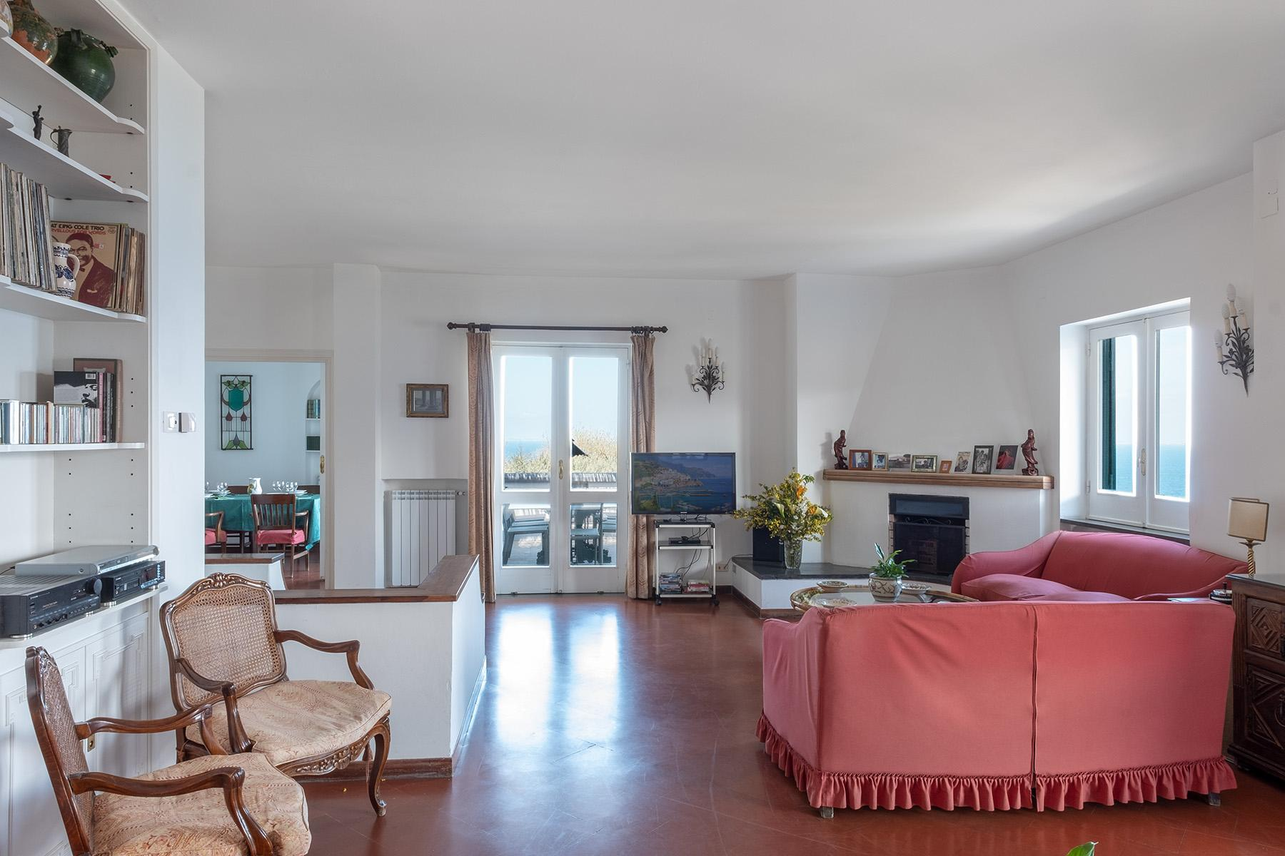 Panoramic property in the greenery in the heart of Sorrento - 10