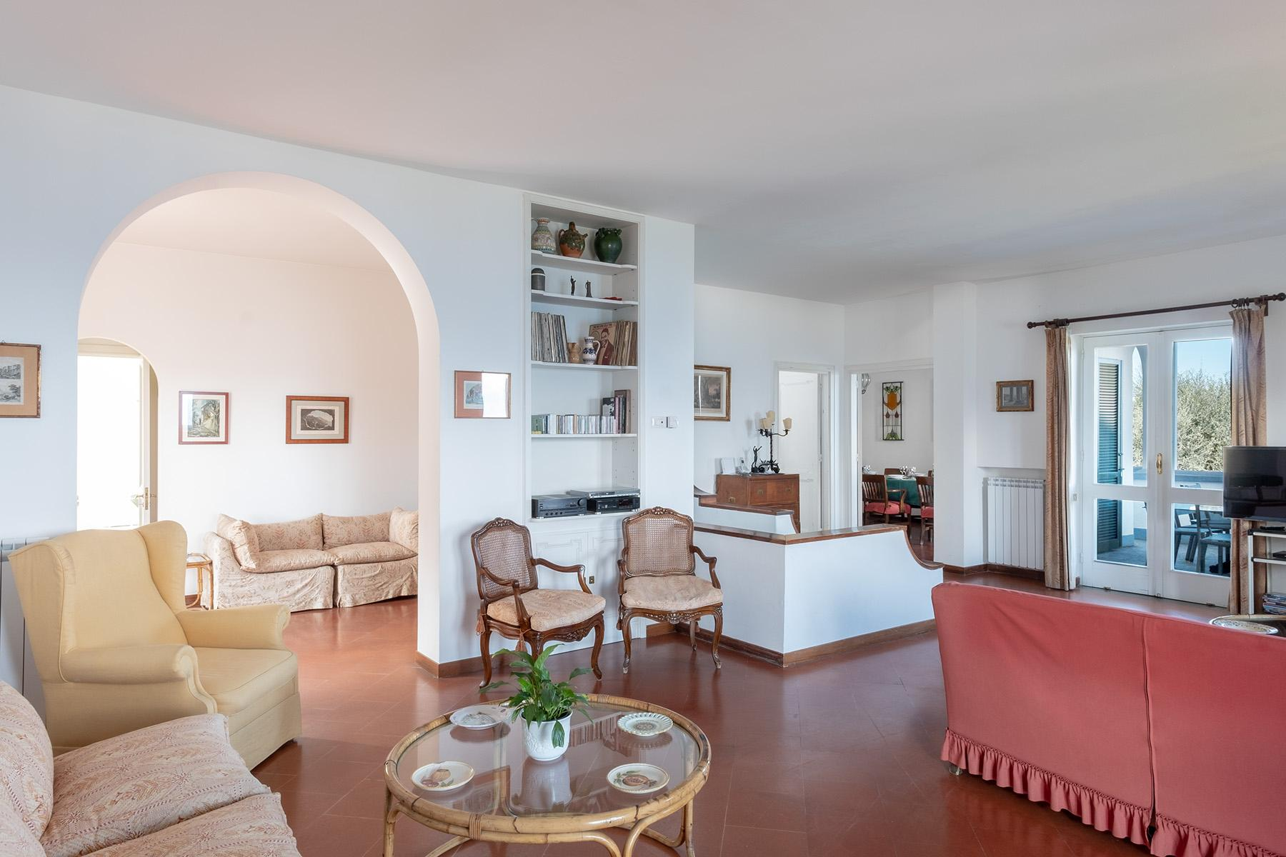 Panoramic property in the greenery in the heart of Sorrento - 11