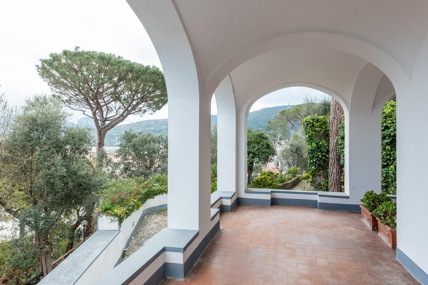 Panoramic property in the greenery in the heart of Sorrento - 16