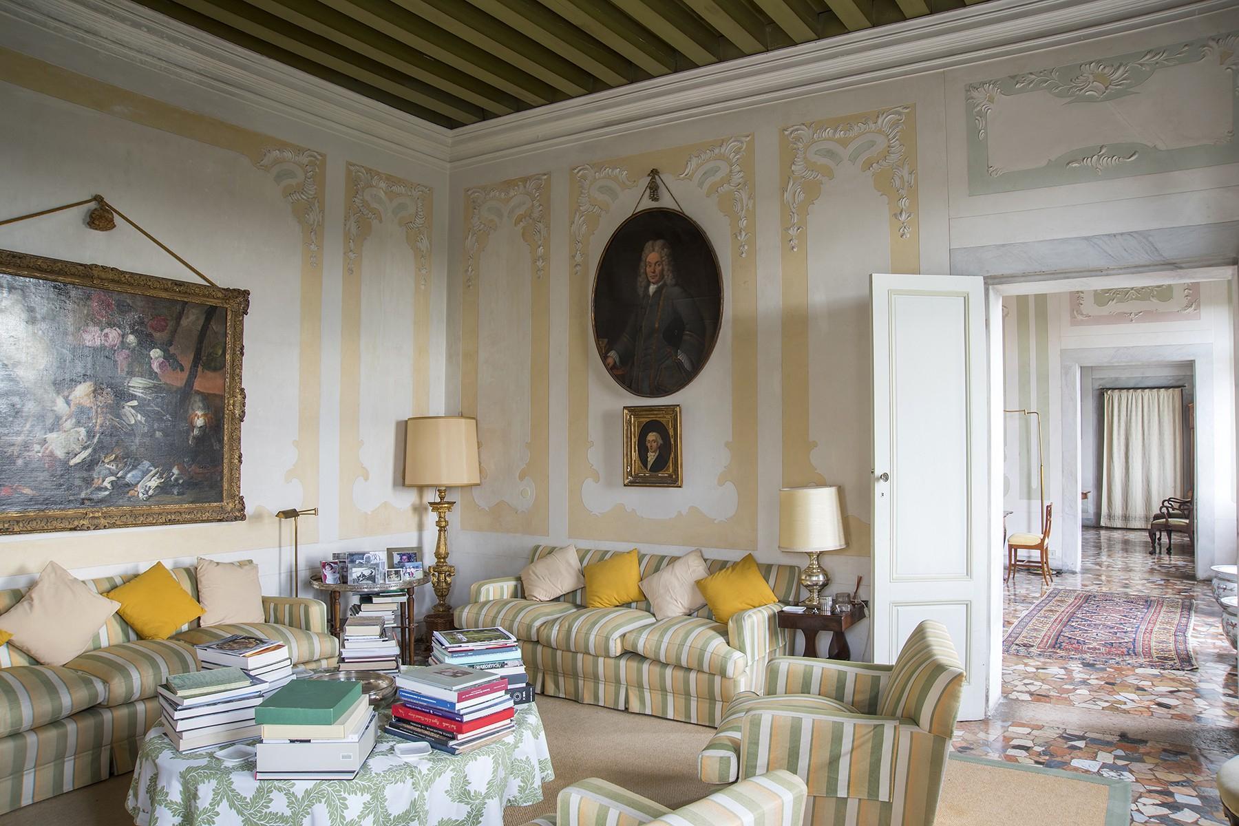 Commanding historical Venetian villa - 5