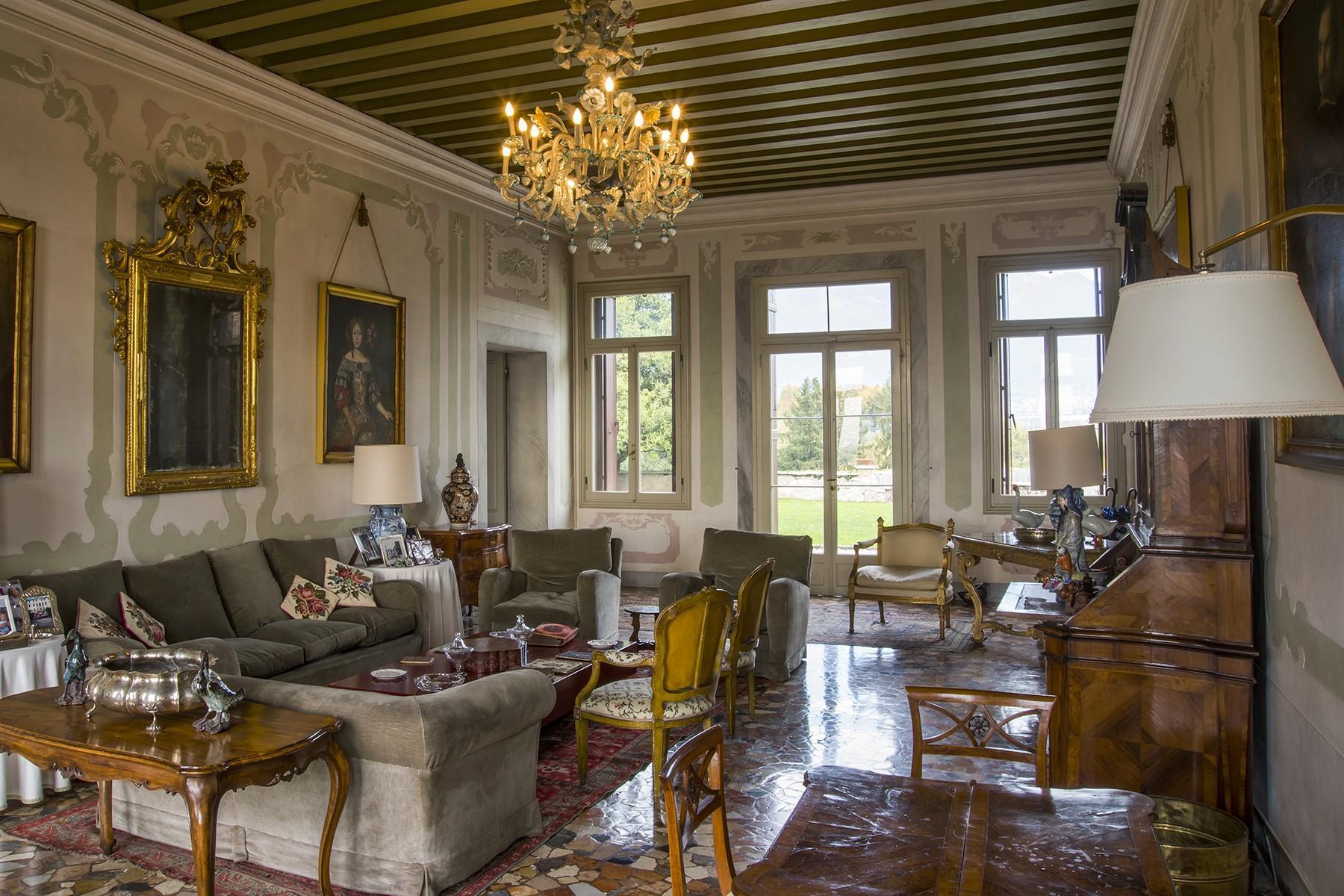 Commanding historical Venetian villa - 4