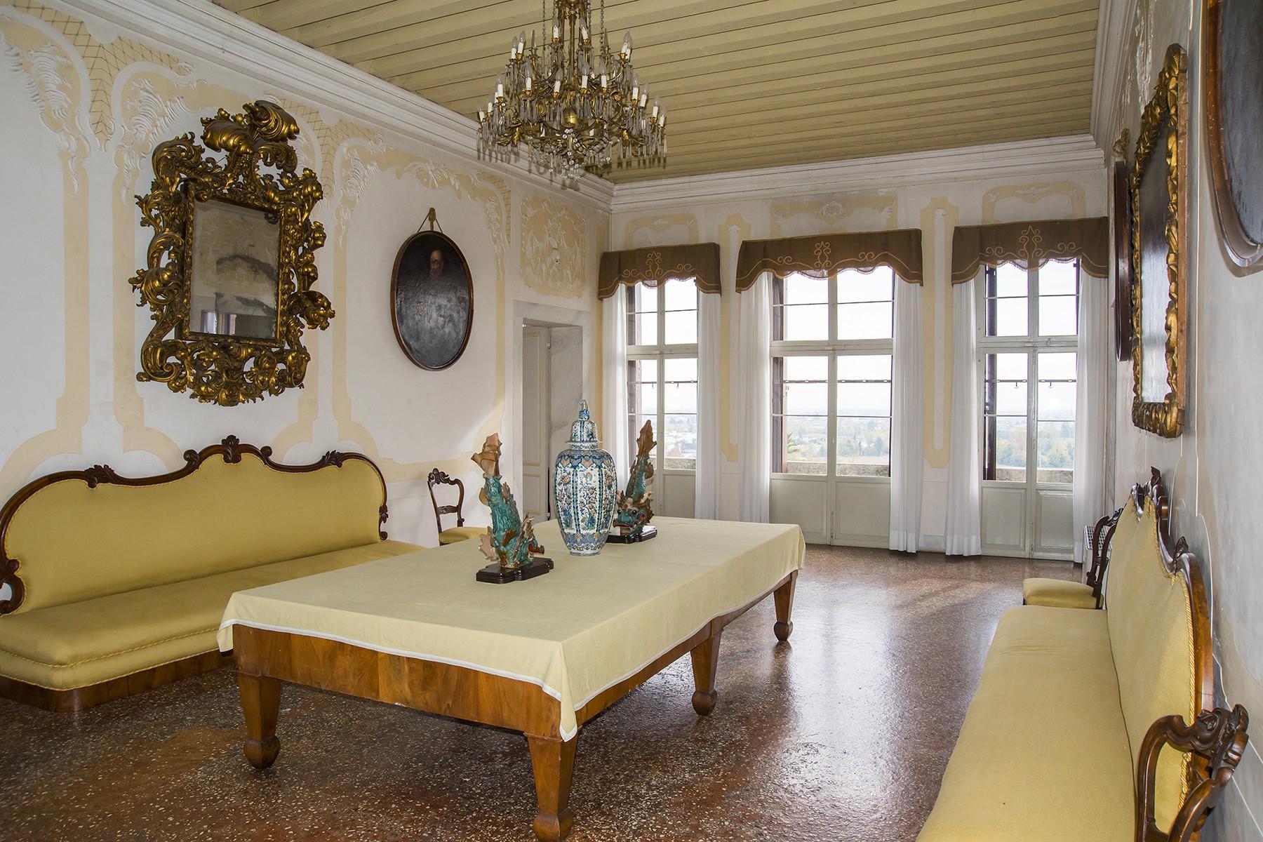 Commanding historical Venetian villa - 8
