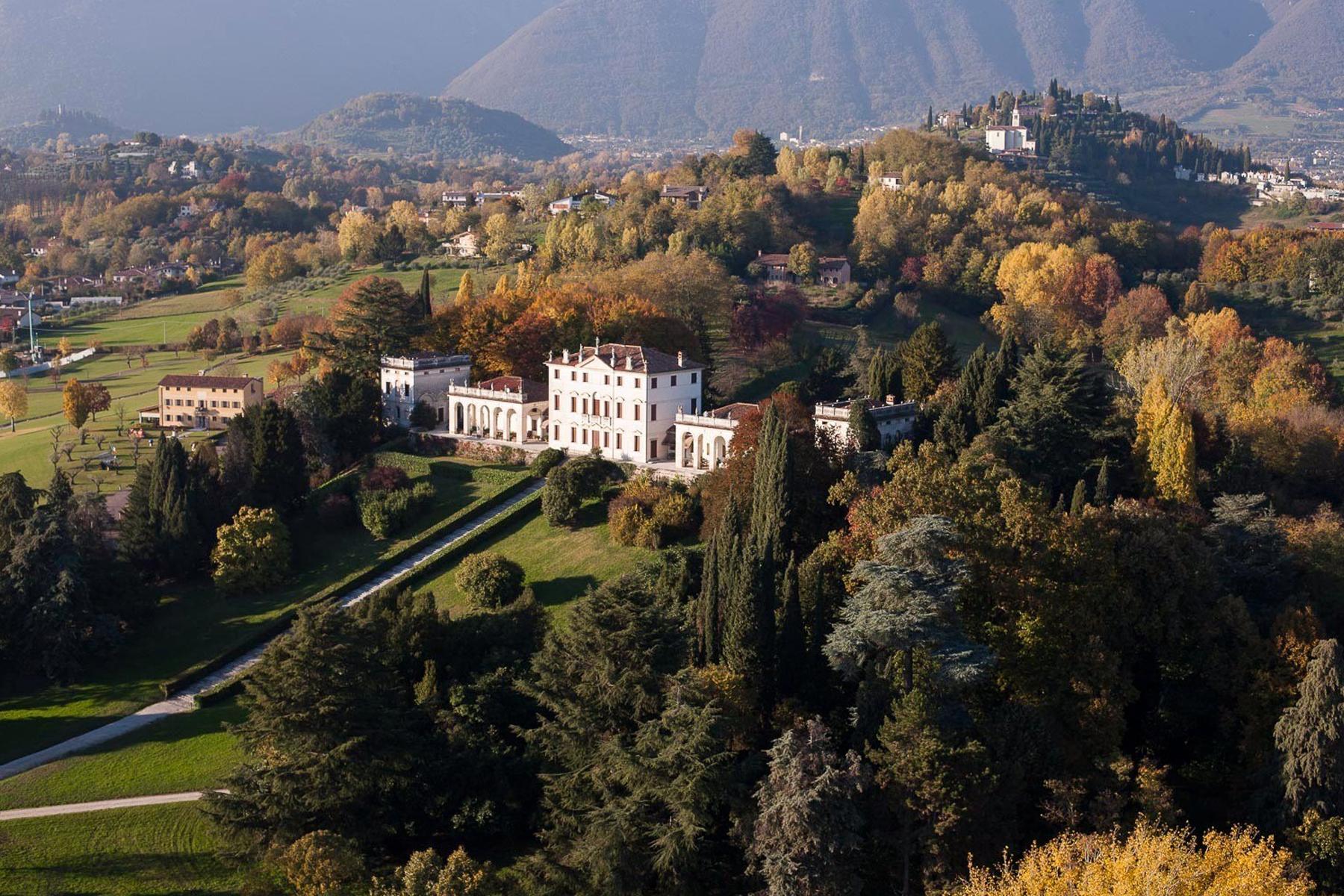 Affascinante dimora storica dominante le colline venete - 1