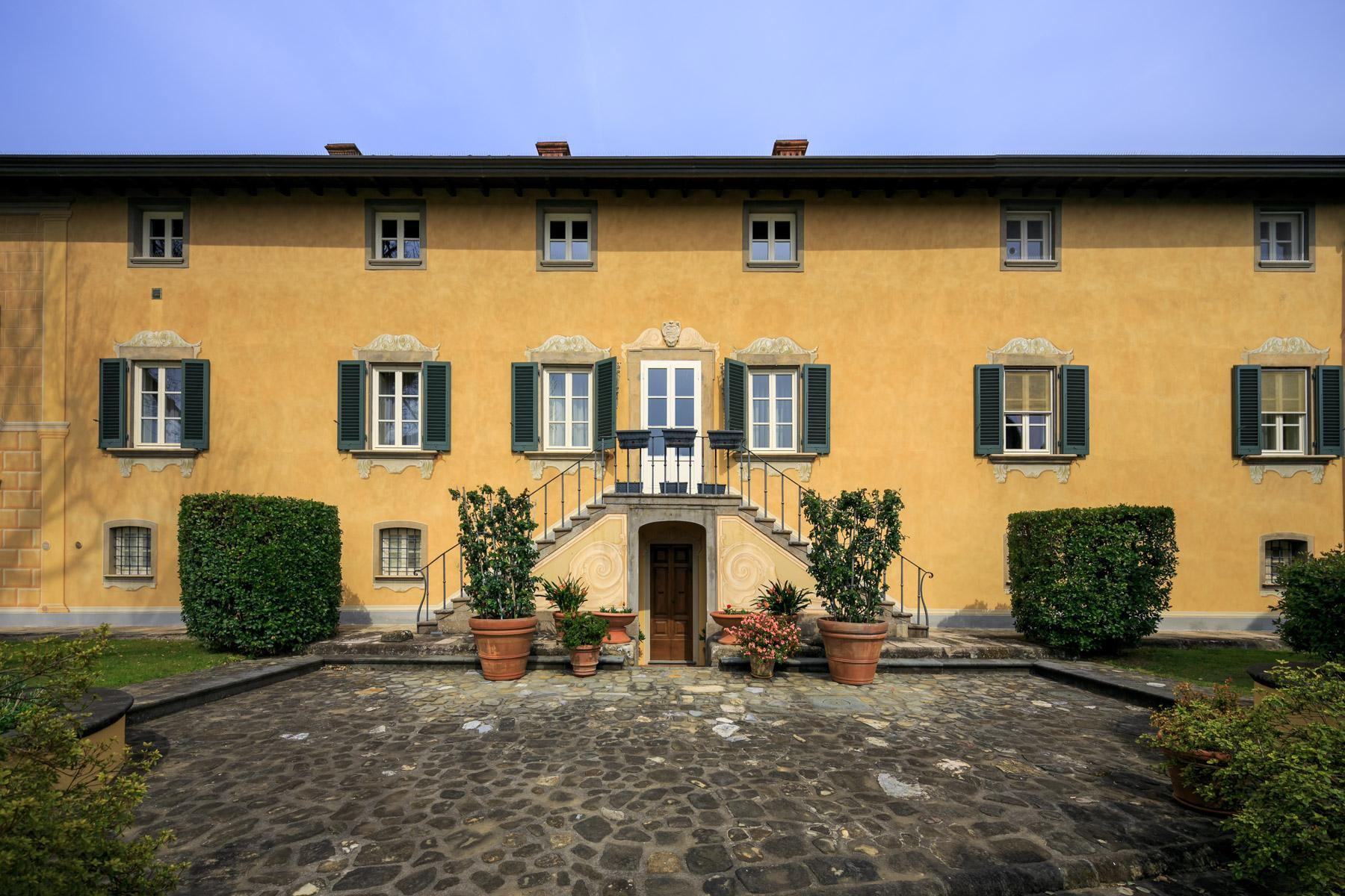 Majestic XVII century villa on the hills of Lucca - 1