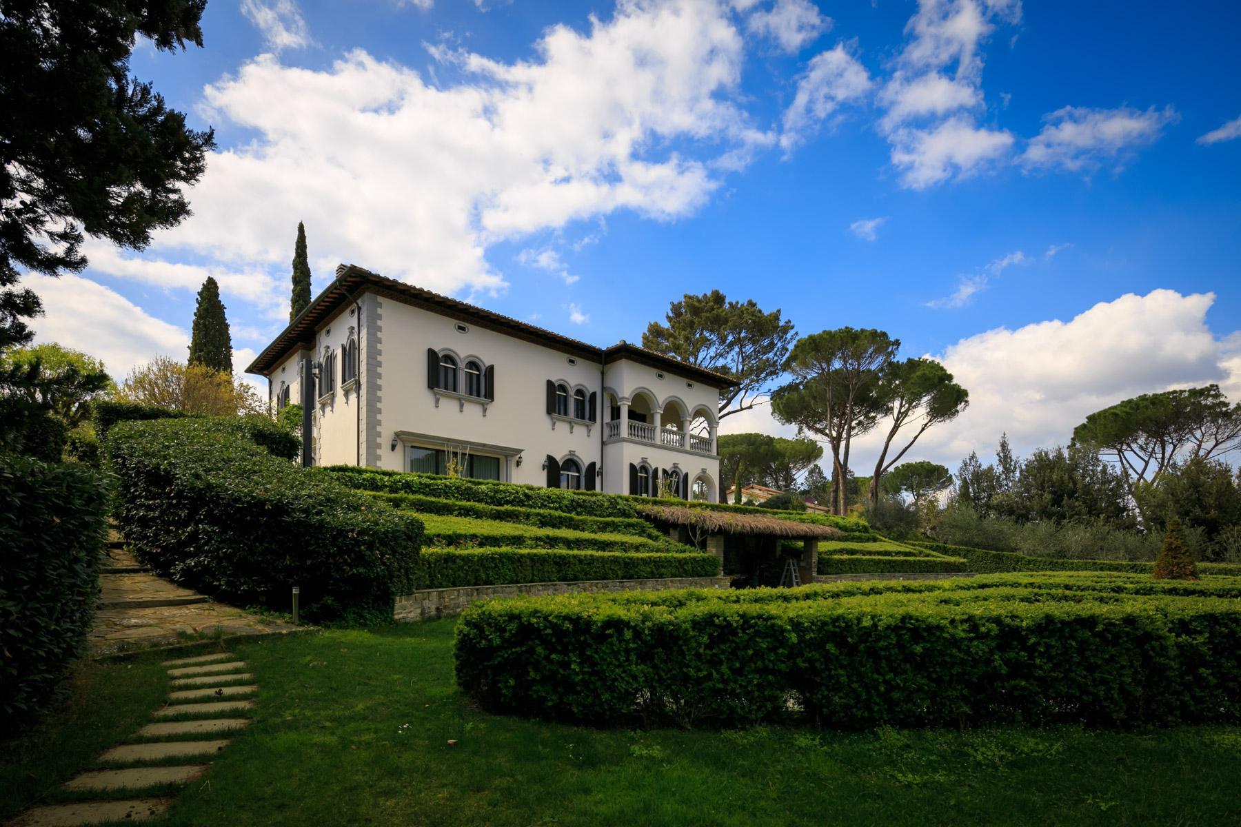 Splendida villa con piscina sulla collina di Pian dei Giullari a Firenze - 5