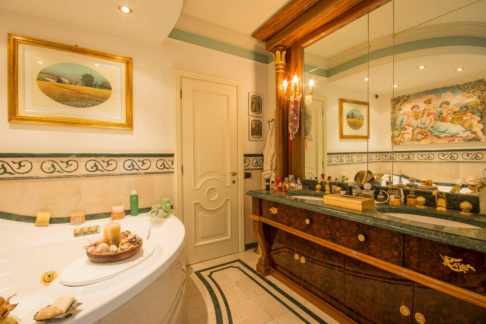 Wunderschöne moderne Villa im Herzen von der Versilia - 17