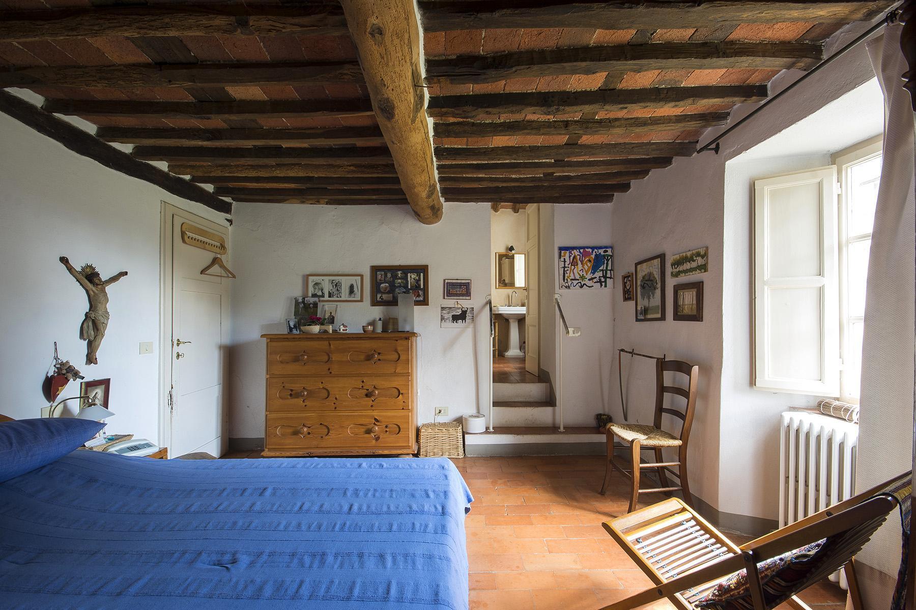 Casale sulle colline di Lucchesi - 11