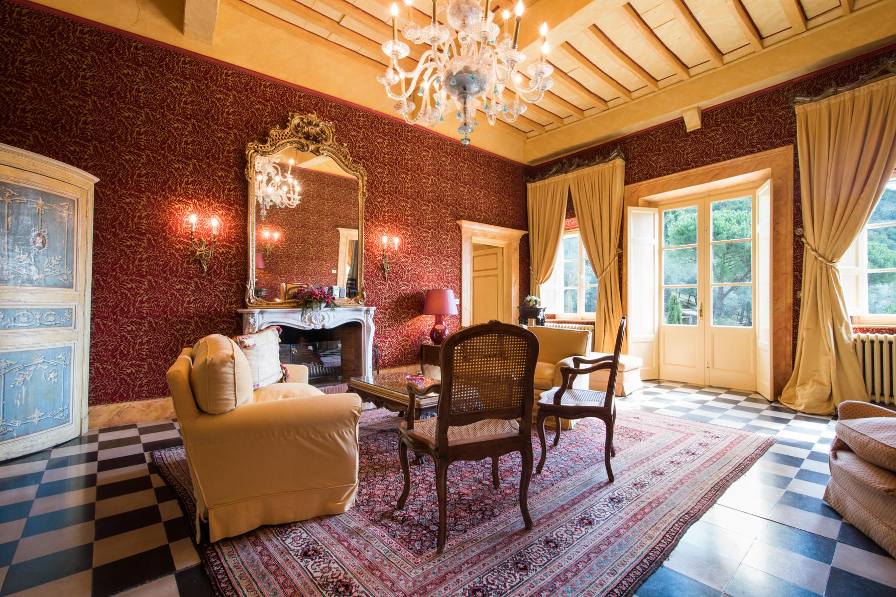 Marvelous villa in the countryside of Lucca - 8