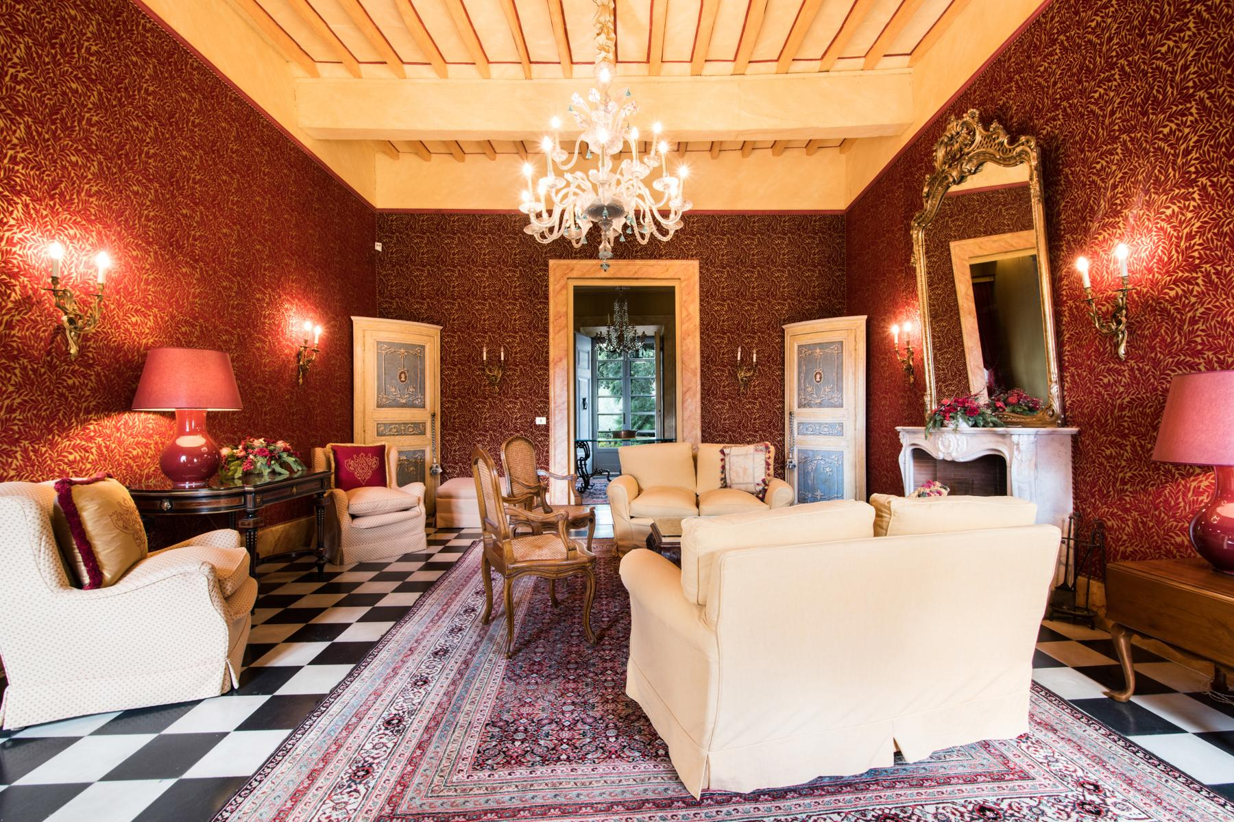 Marvelous villa in the countryside of Lucca - 10