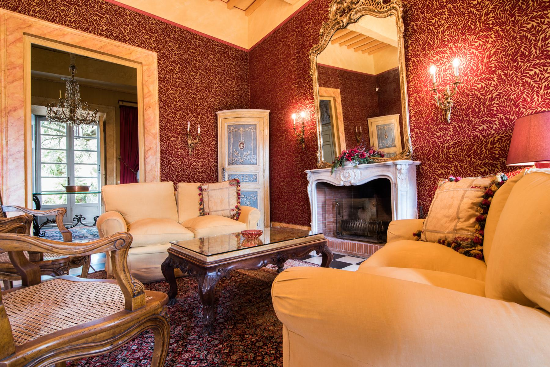Marvelous villa in the countryside of Lucca - 7
