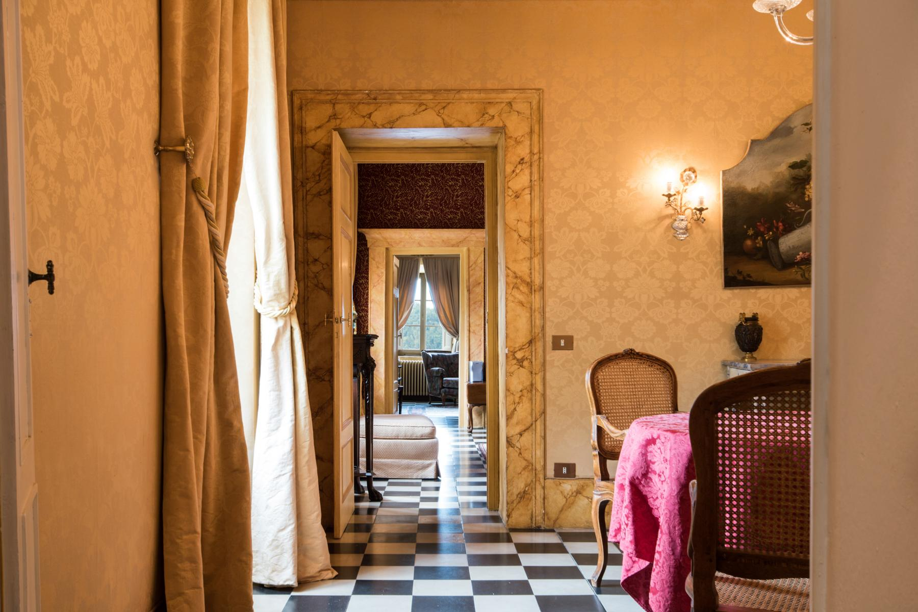 Marvelous villa in the countryside of Lucca - 9