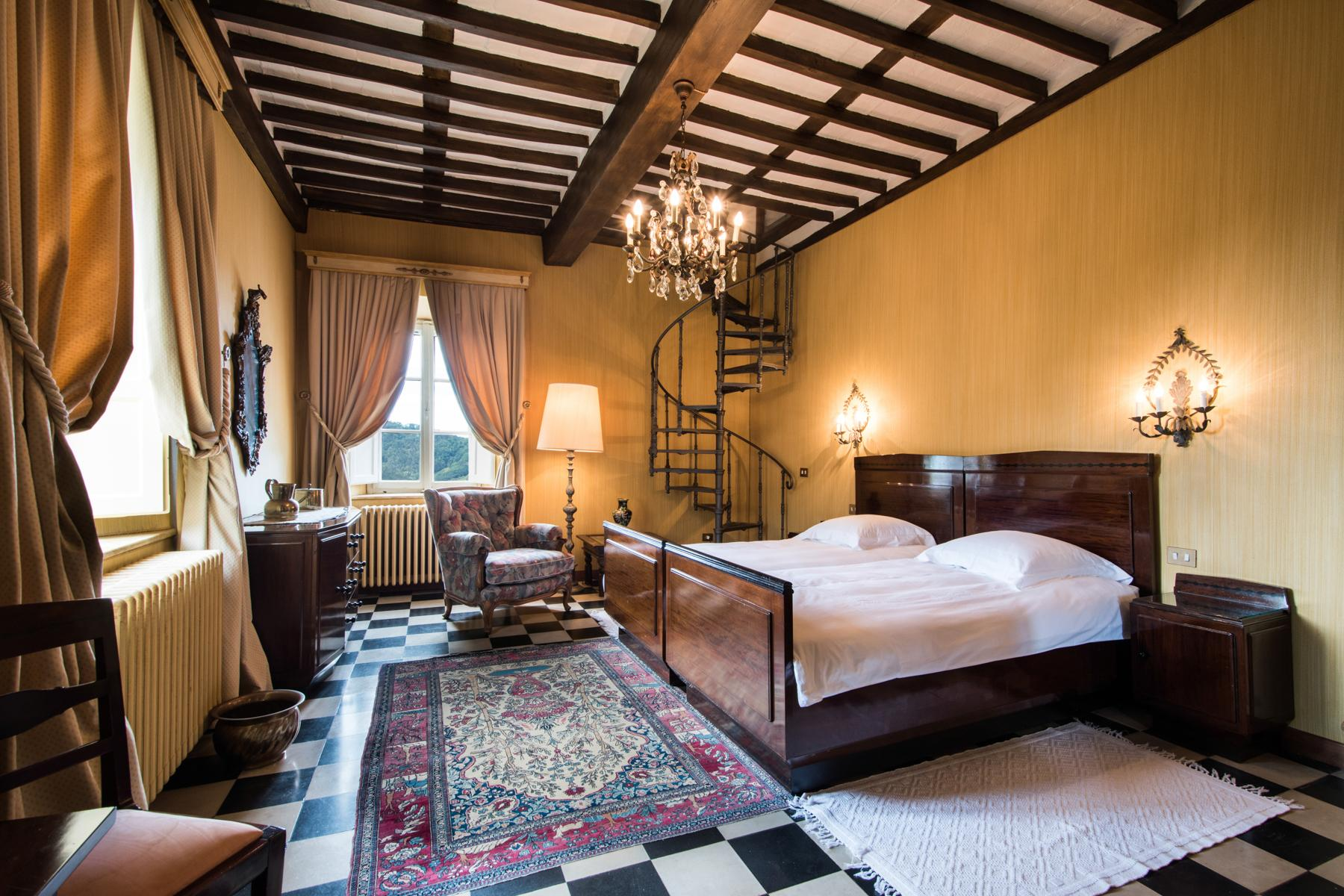 Marvelous villa in the countryside of Lucca - 14