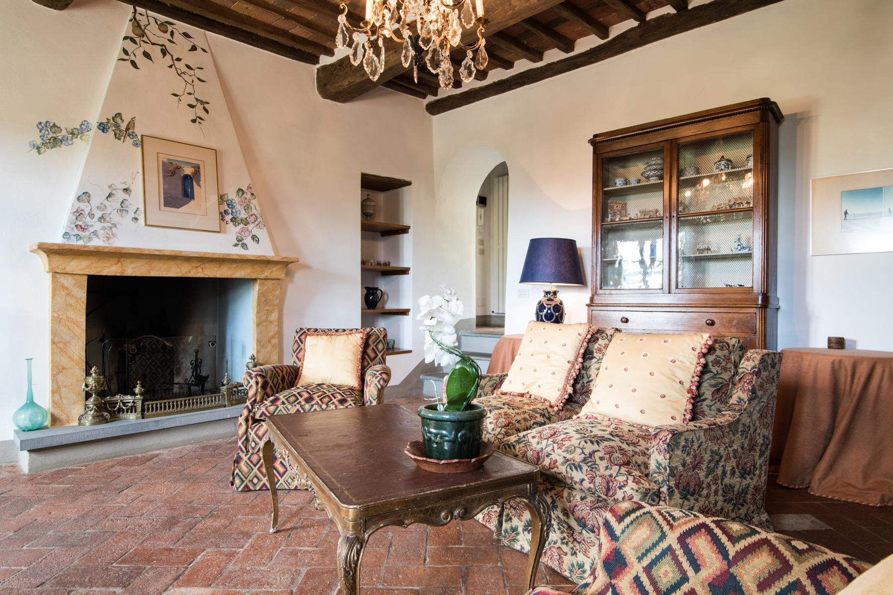 Marvelous villa in the countryside of Lucca - 19