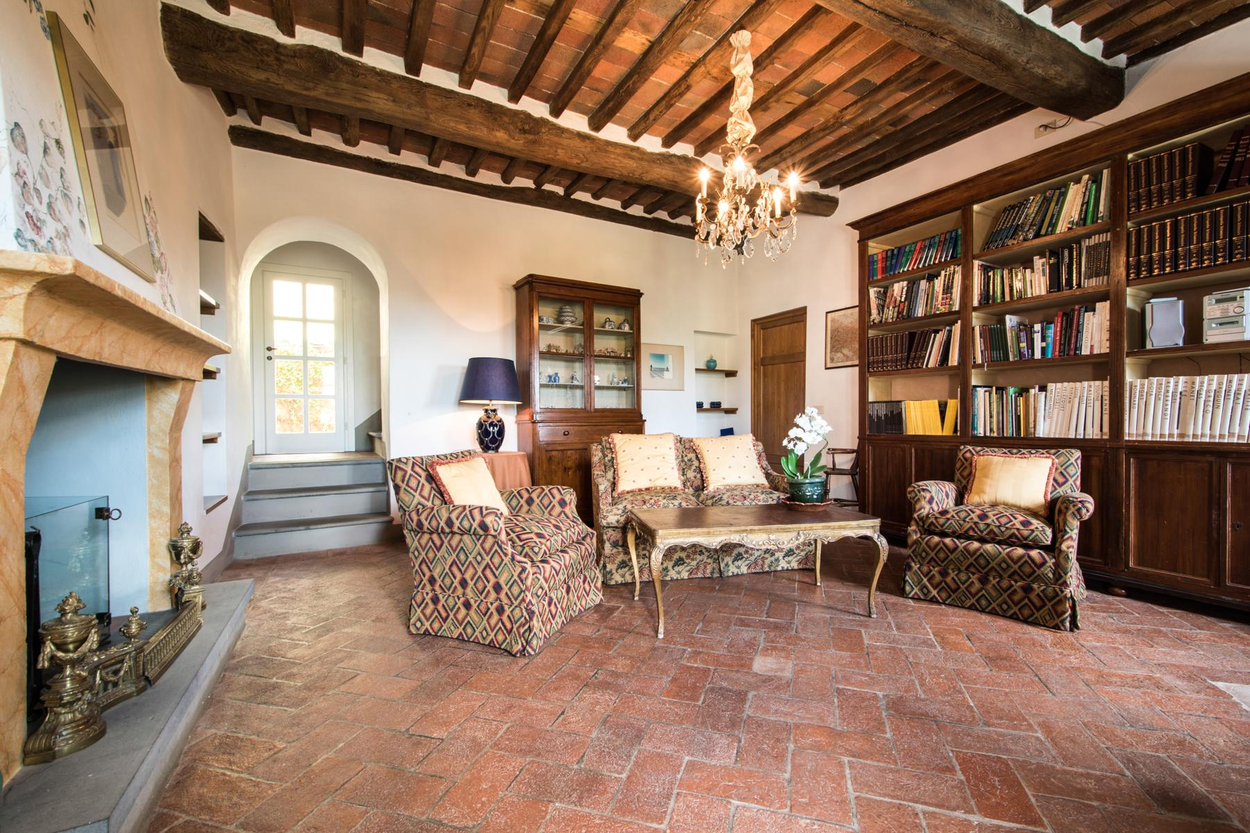 Marvelous villa in the countryside of Lucca - 20