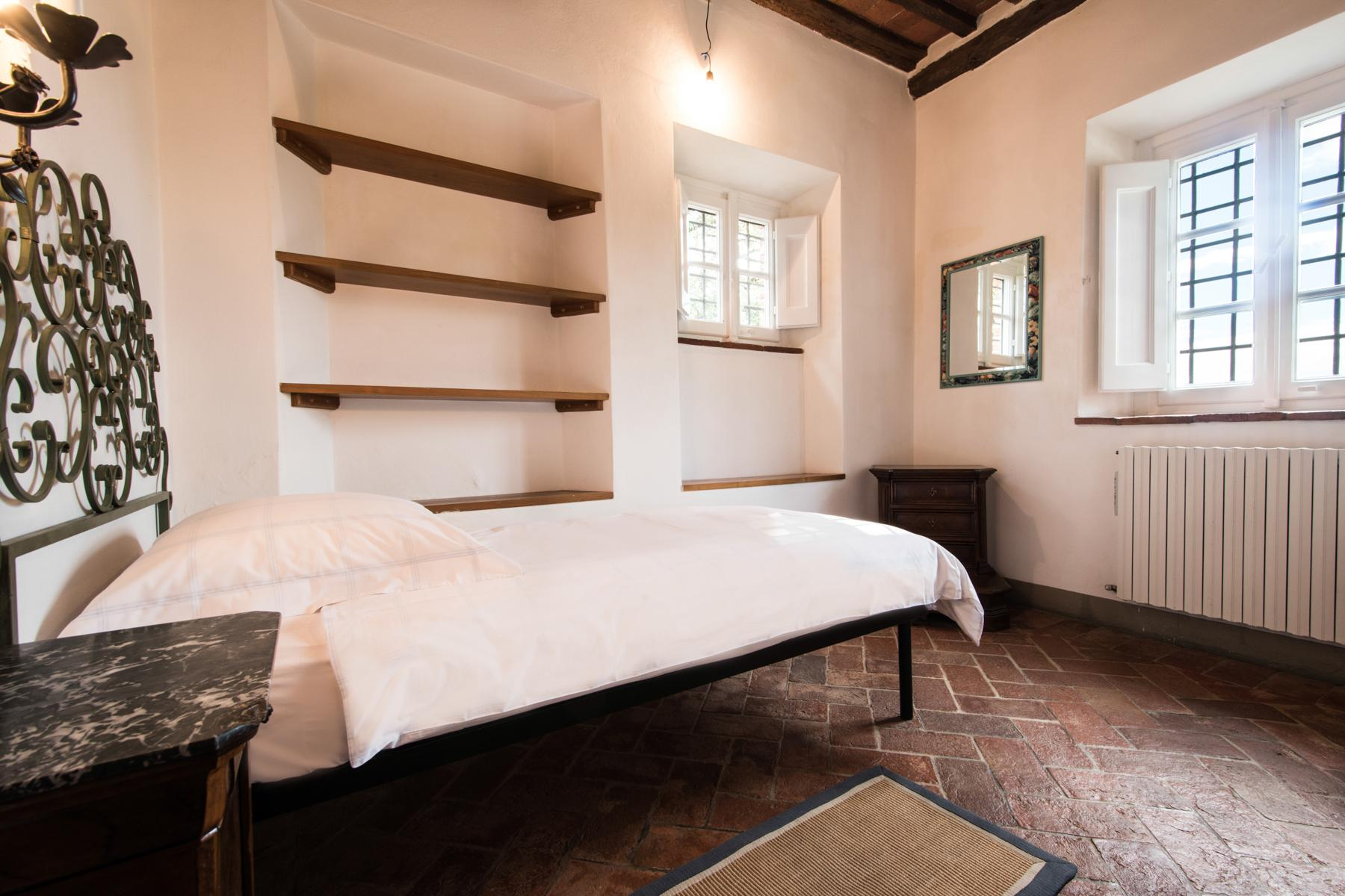 Marvelous villa in the countryside of Lucca - 22