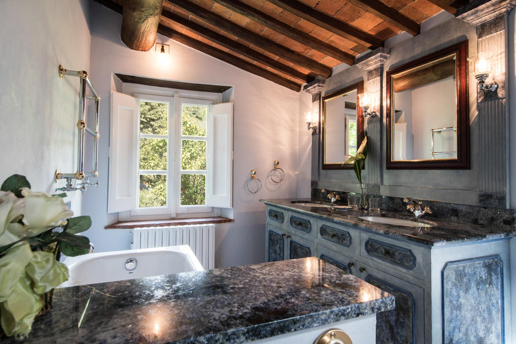 Marvelous villa in the countryside of Lucca - 23