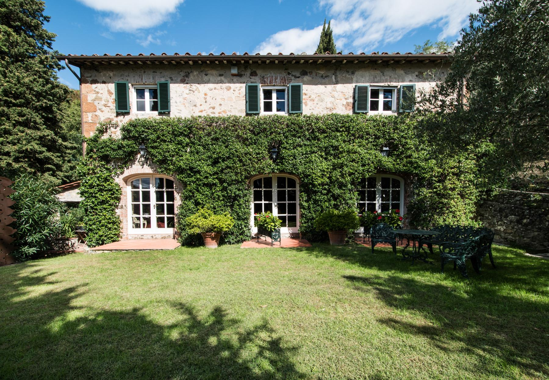 Marvelous villa in the countryside of Lucca - 33