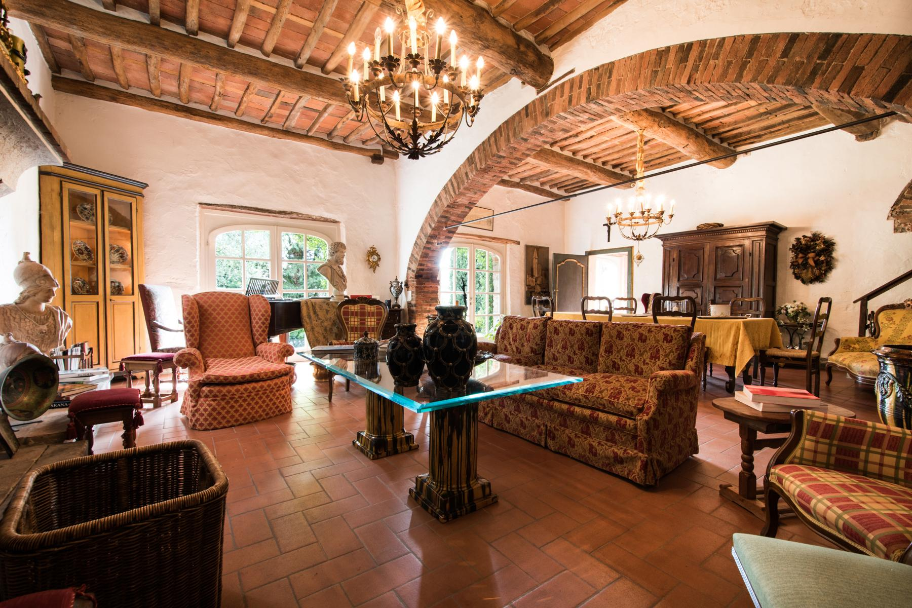 Marvelous villa in the countryside of Lucca - 36