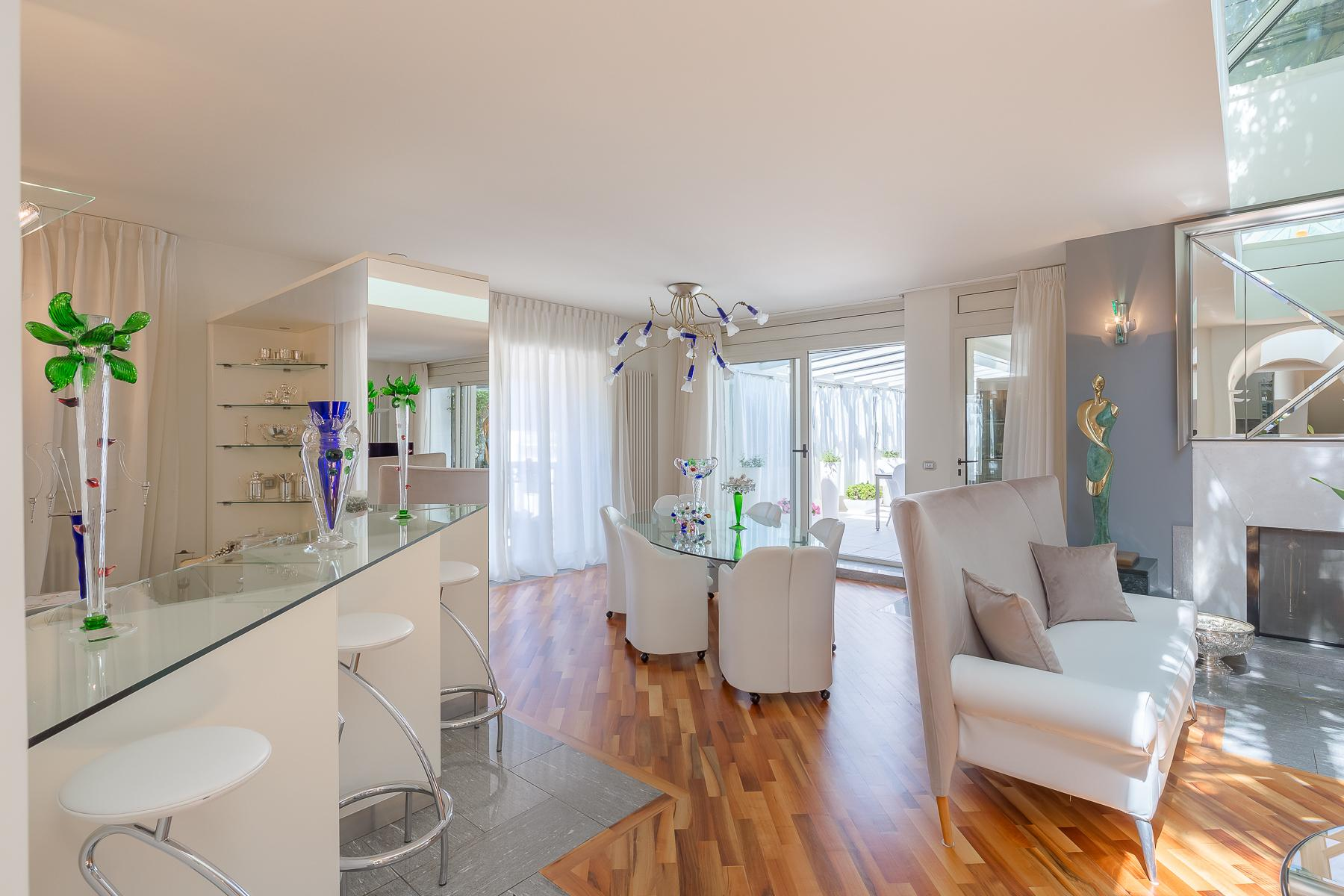 Bright penthouse in the center of Luino - 6