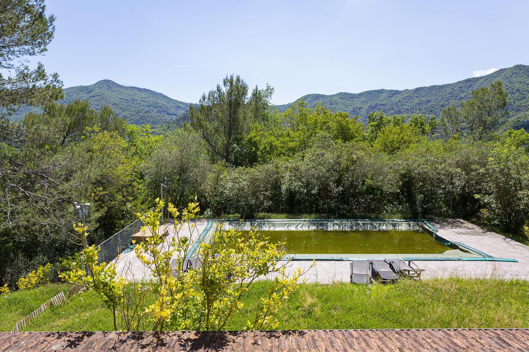 Charming villa with a swimming pool inside the prestigious Golf Club of Garlenda - 22