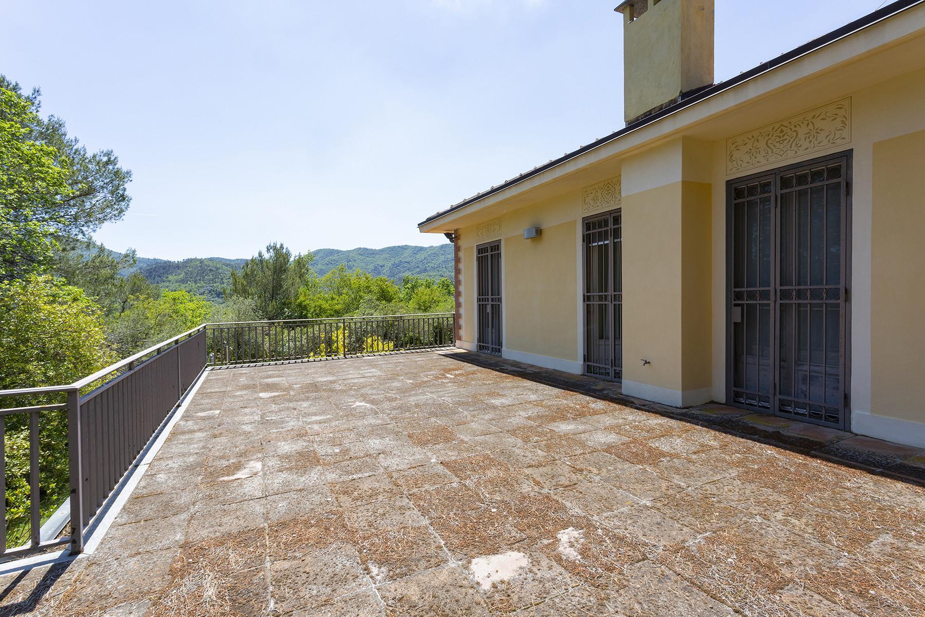 Charming villa with a swimming pool inside the prestigious Golf Club of Garlenda - 13