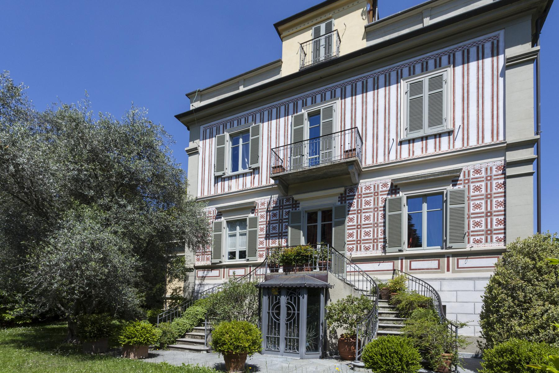 Elegant Art Nouveau villa with private park - 1