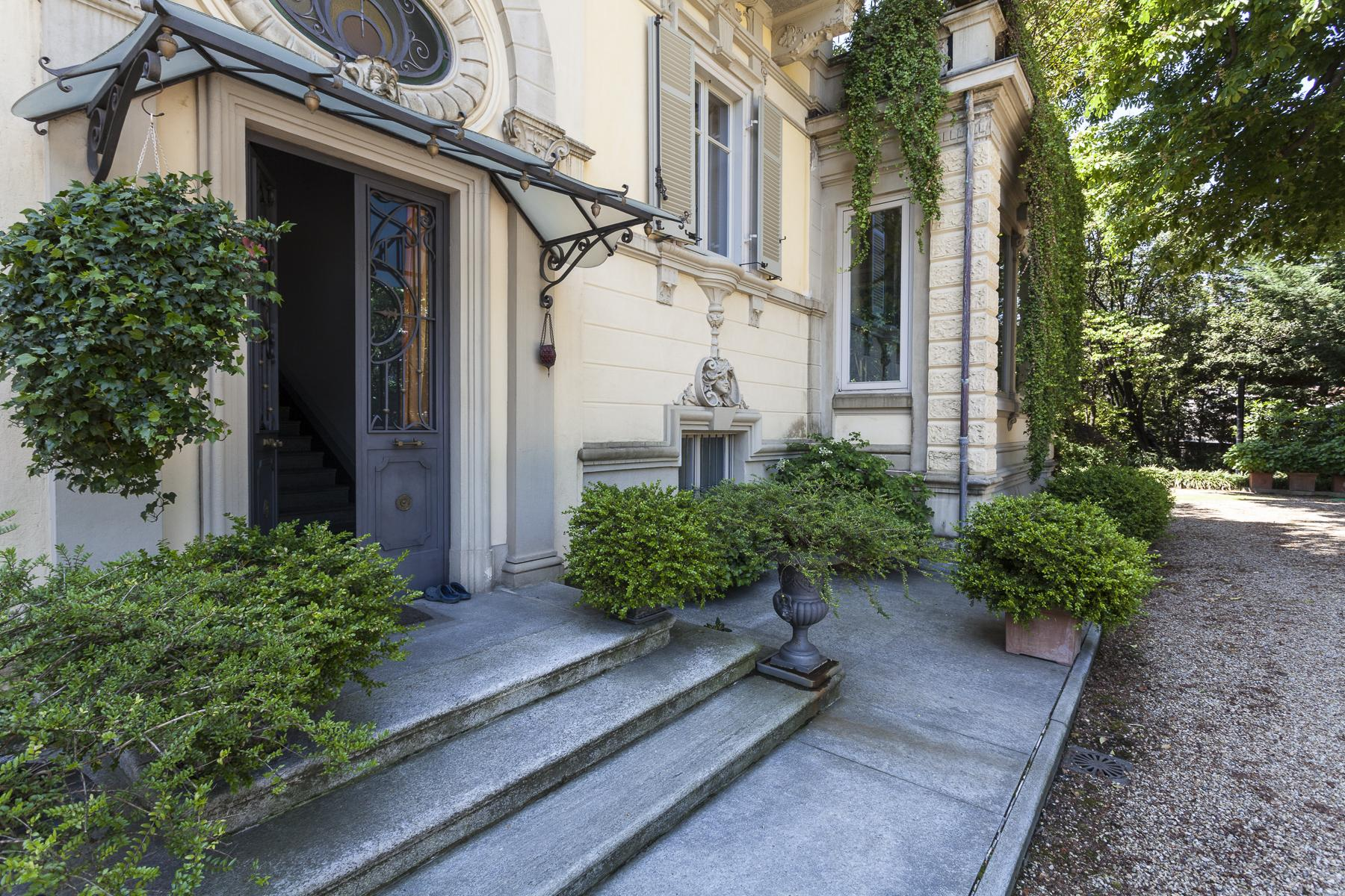 Elegant Art Nouveau villa with private park - 35