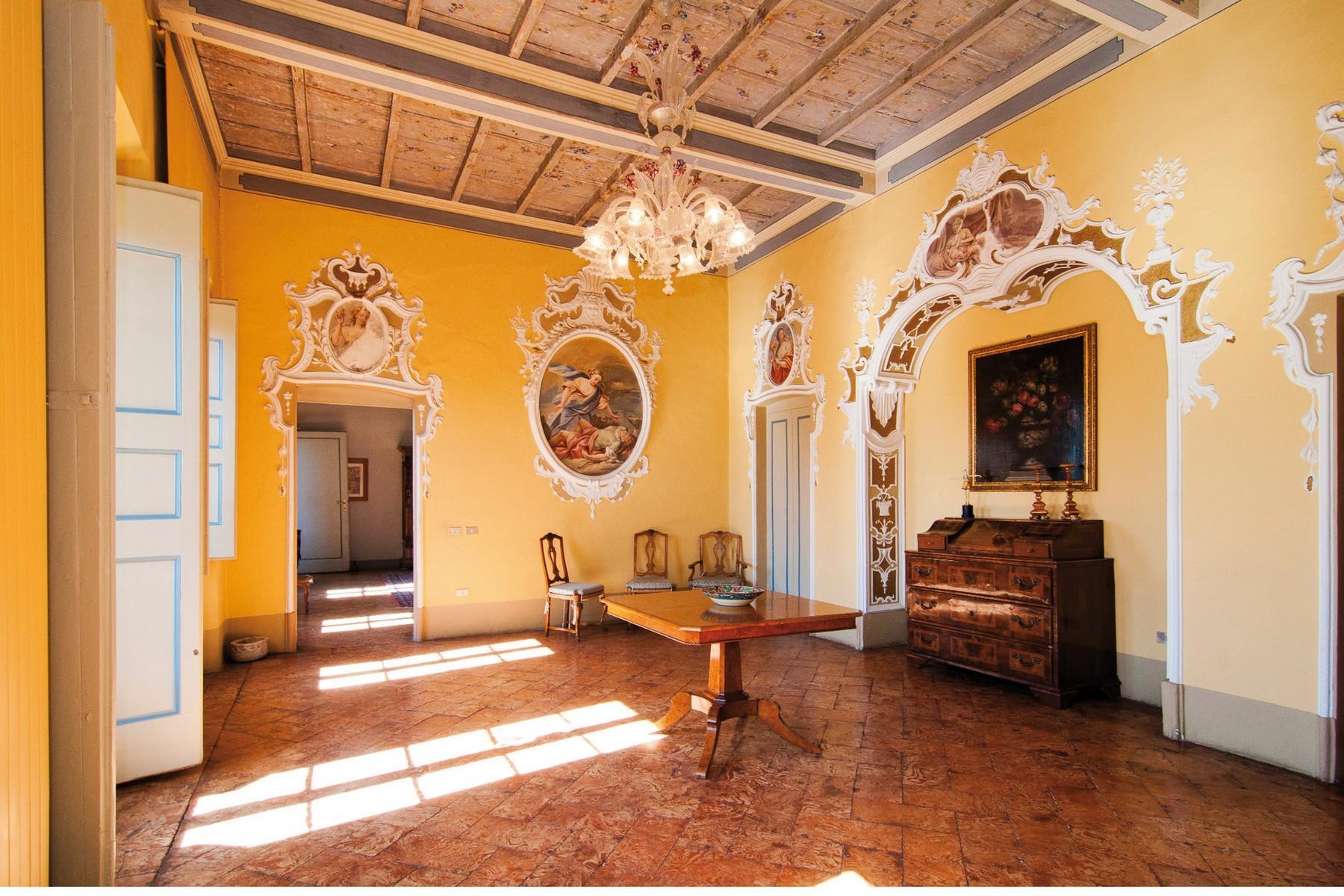 Elegante historische Gebäude aus Anfang des 17. Jahrhunderts - 10