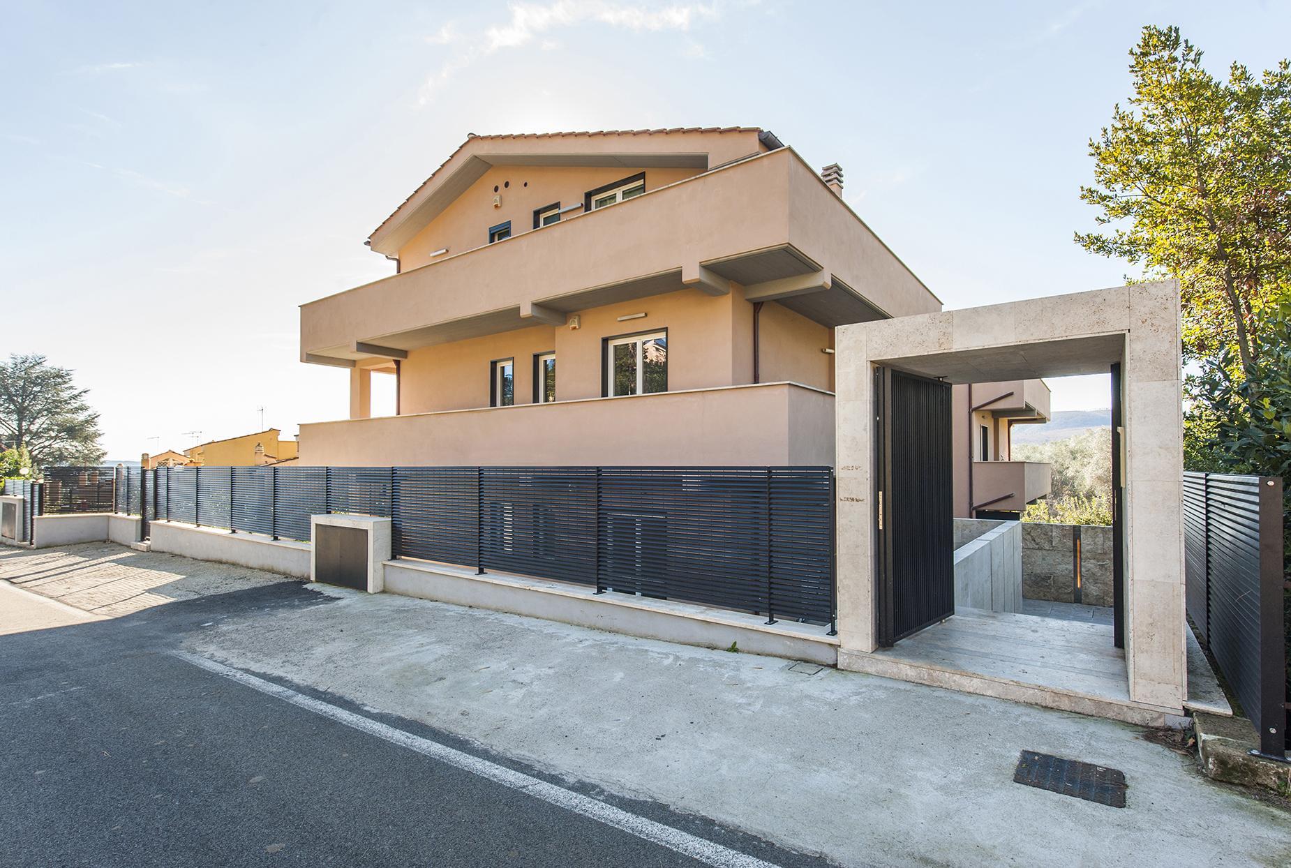 Modern penthouse overlooking Lake Bracciano - 16