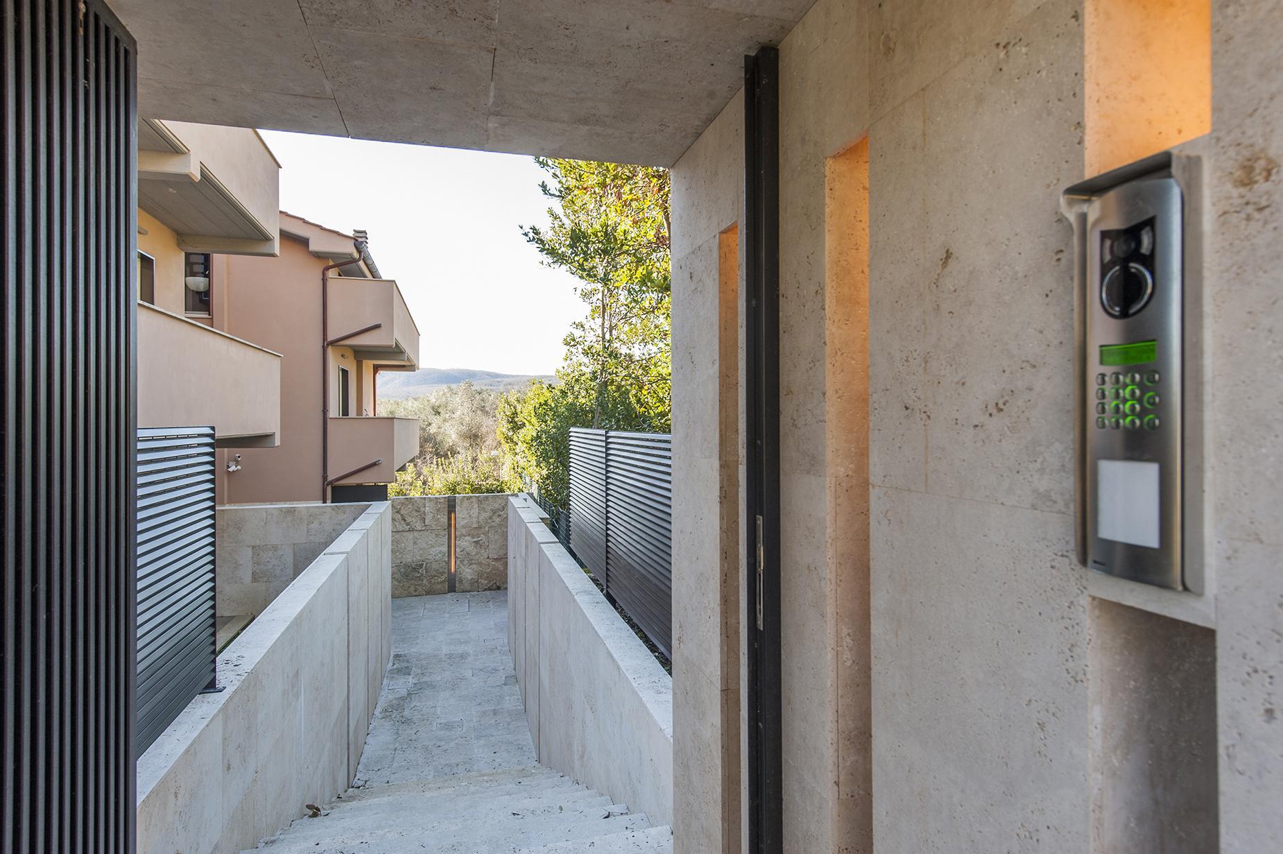 Modern penthouse overlooking Lake Bracciano - 17