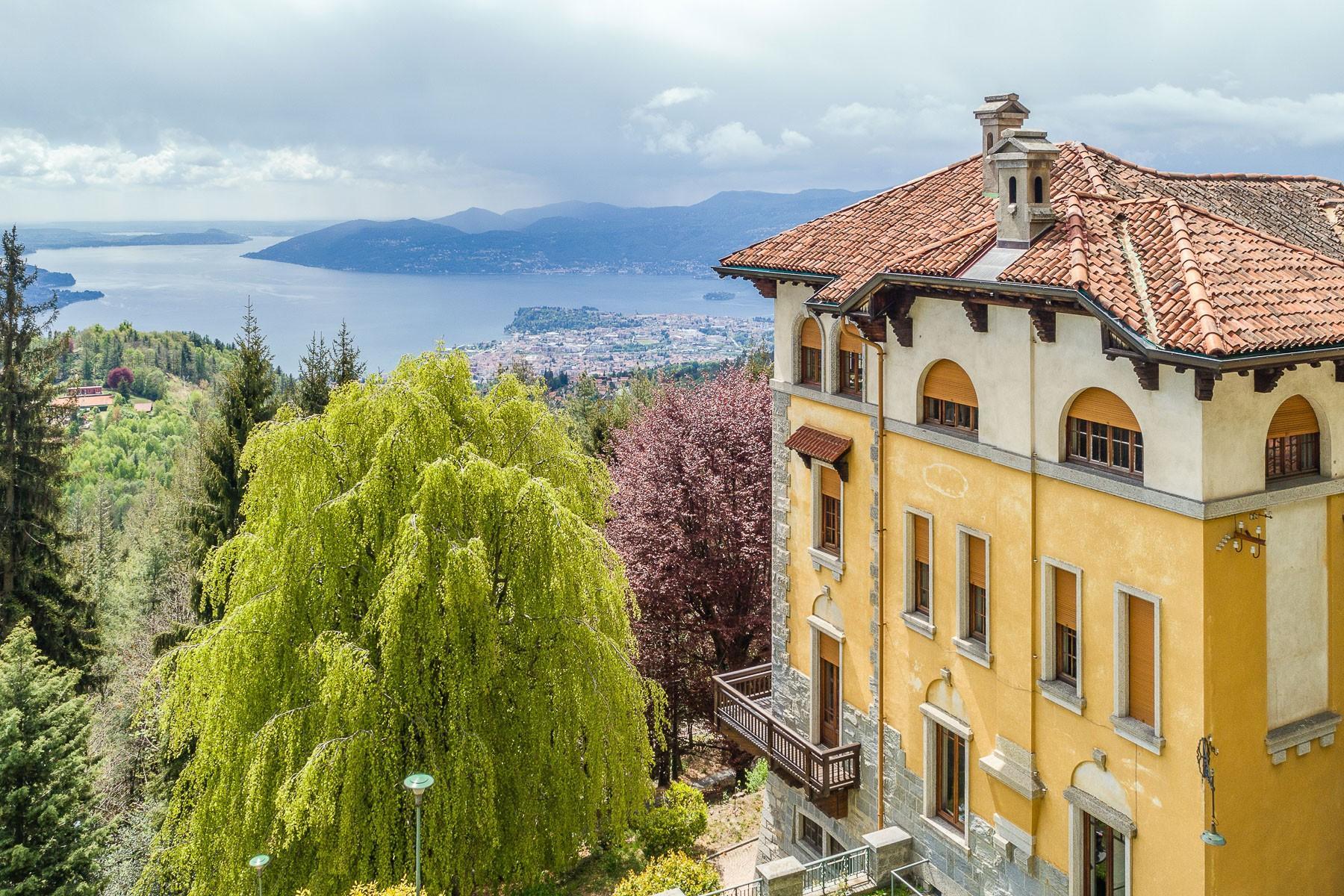 Villa storica in parco centenario sul lago Maggiore - 4
