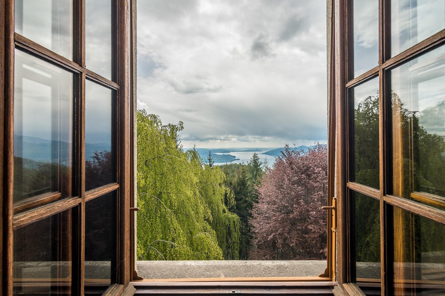 Villa storica in parco centenario sul lago Maggiore - 3