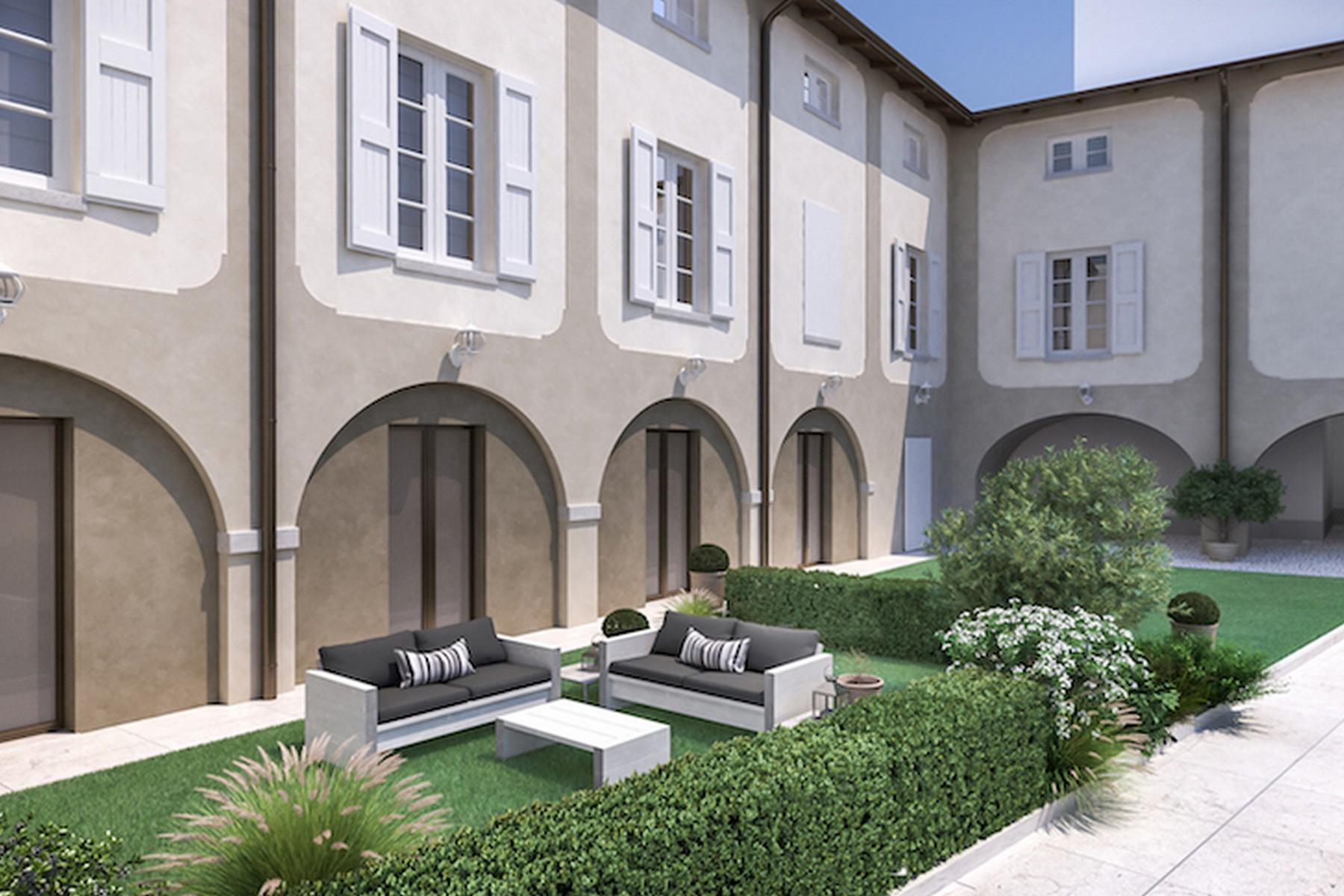 Stunning penthouse in a historic palace in the heart of Desenzano del Garda - 10
