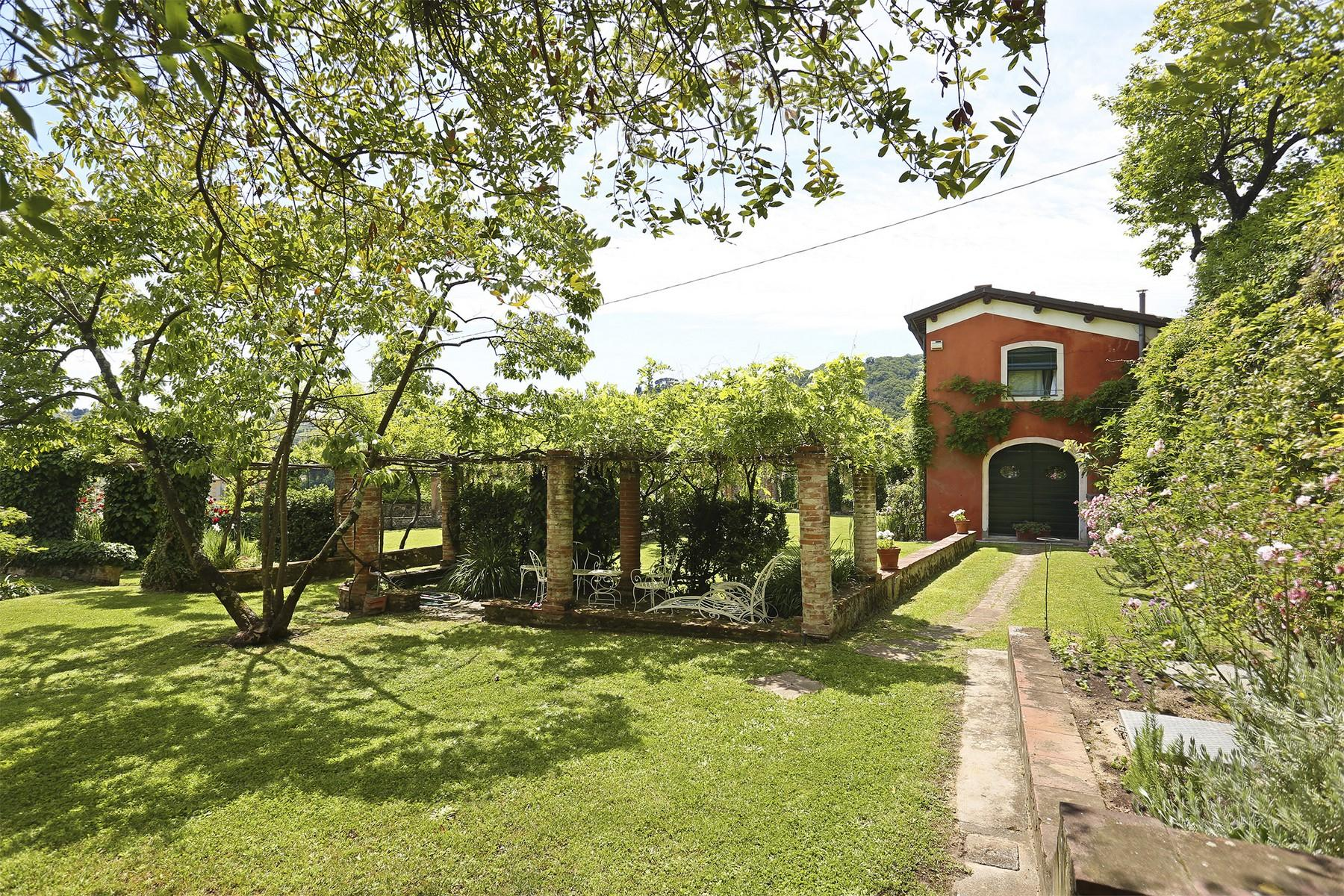 Beautiful villa with swimming pool in the countryside of Lucca - 32