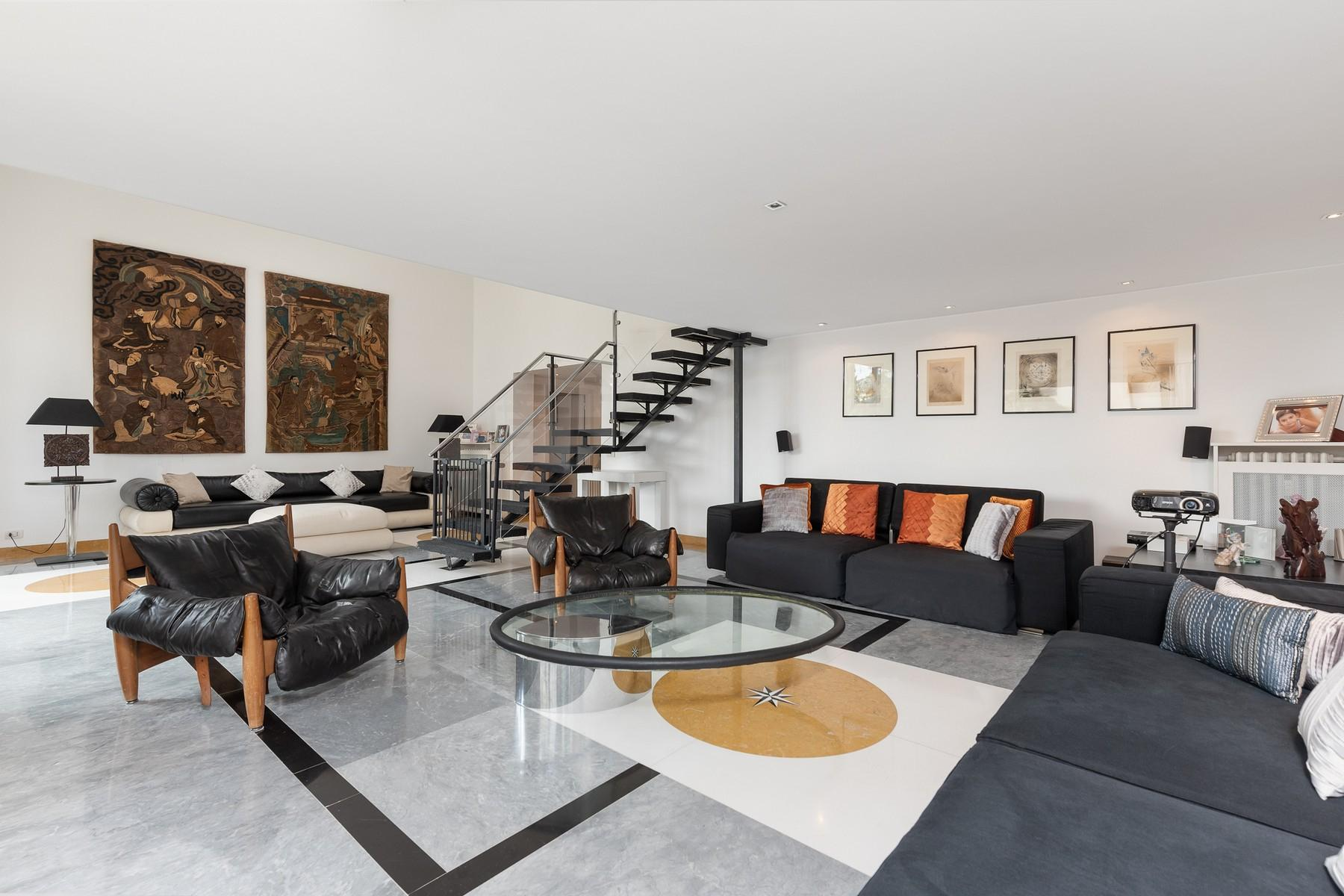 Wide and bright apartment overlooking Villa Borghese - 2