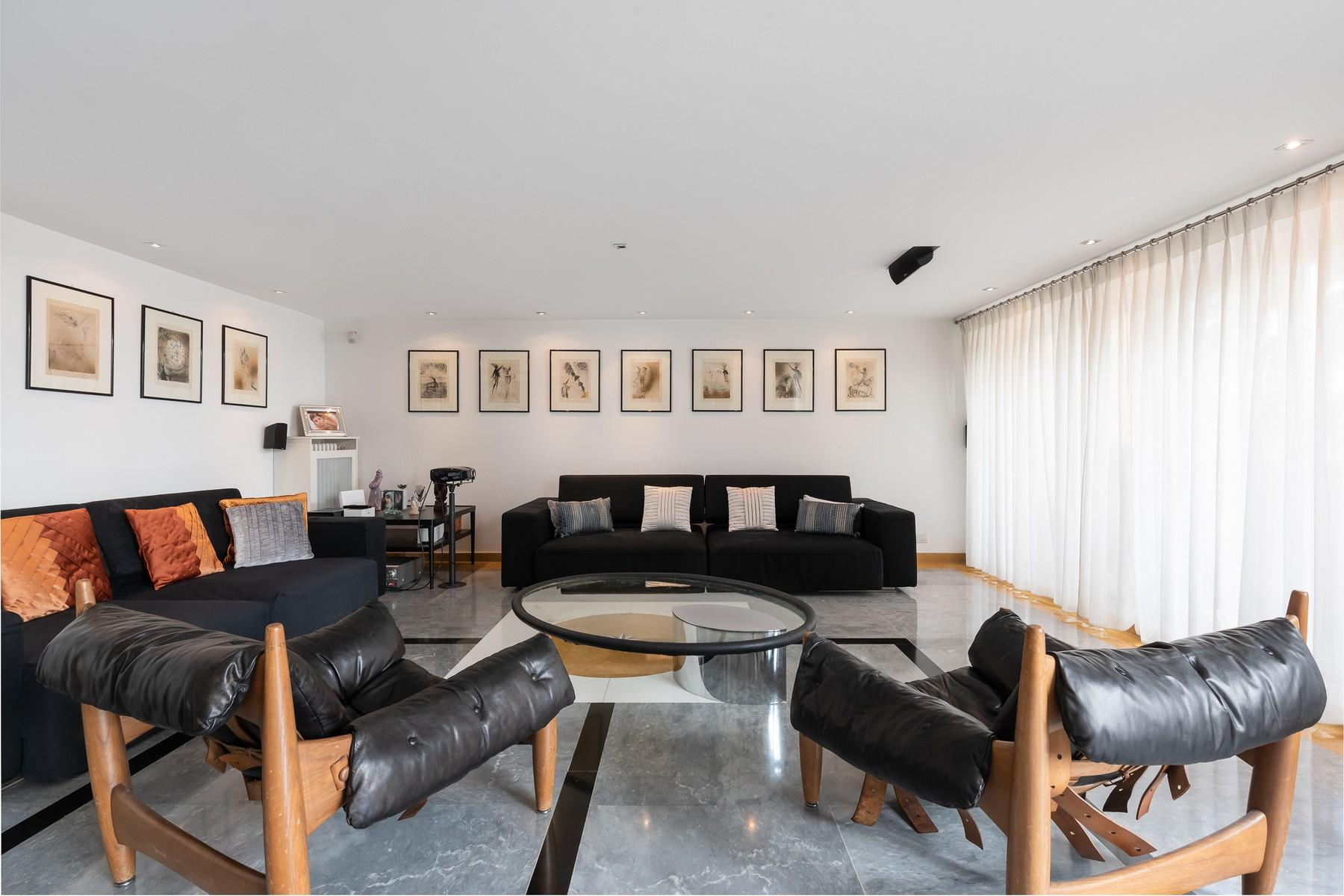 Wide and bright apartment overlooking Villa Borghese - 4