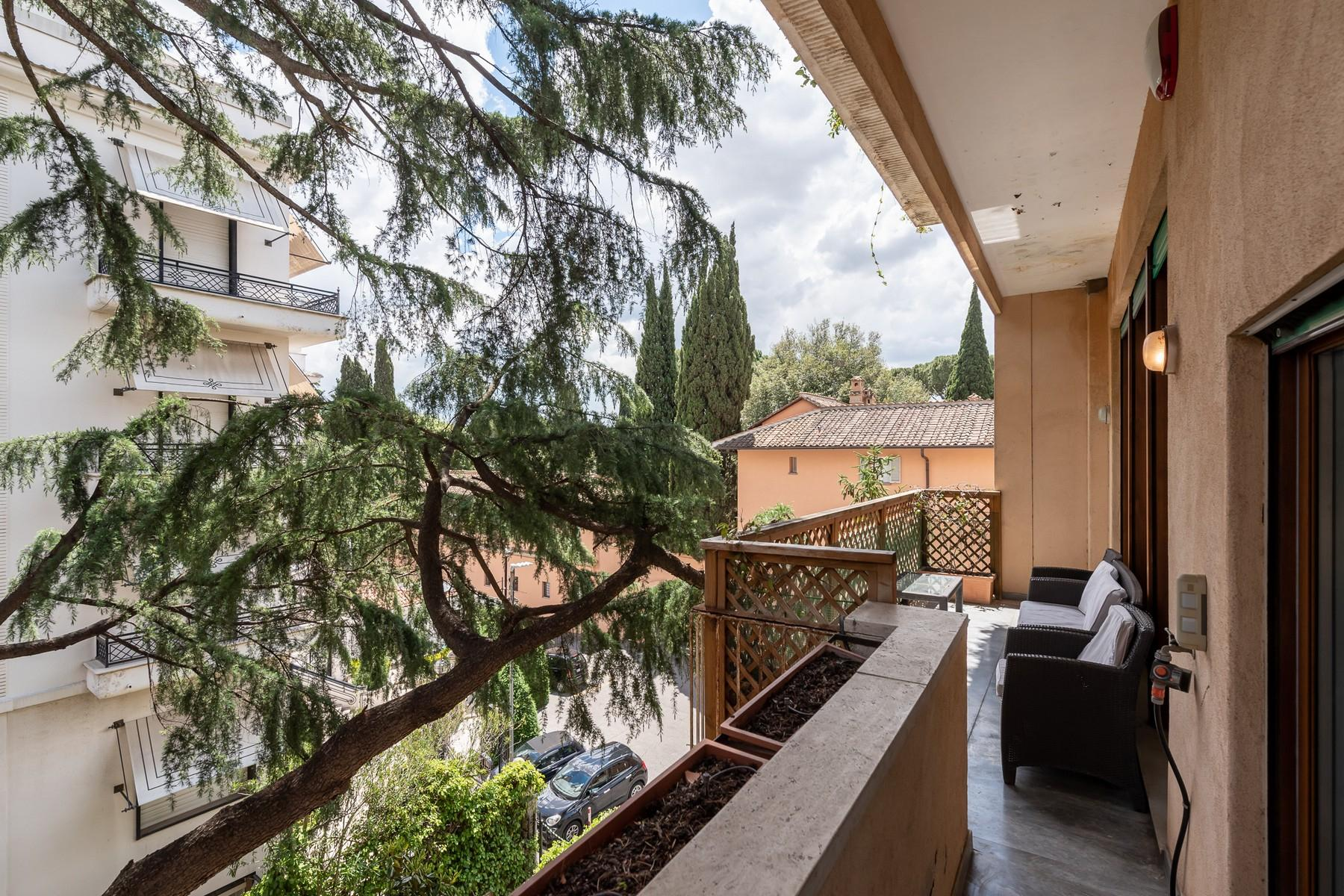 Wide and bright apartment overlooking Villa Borghese - 19