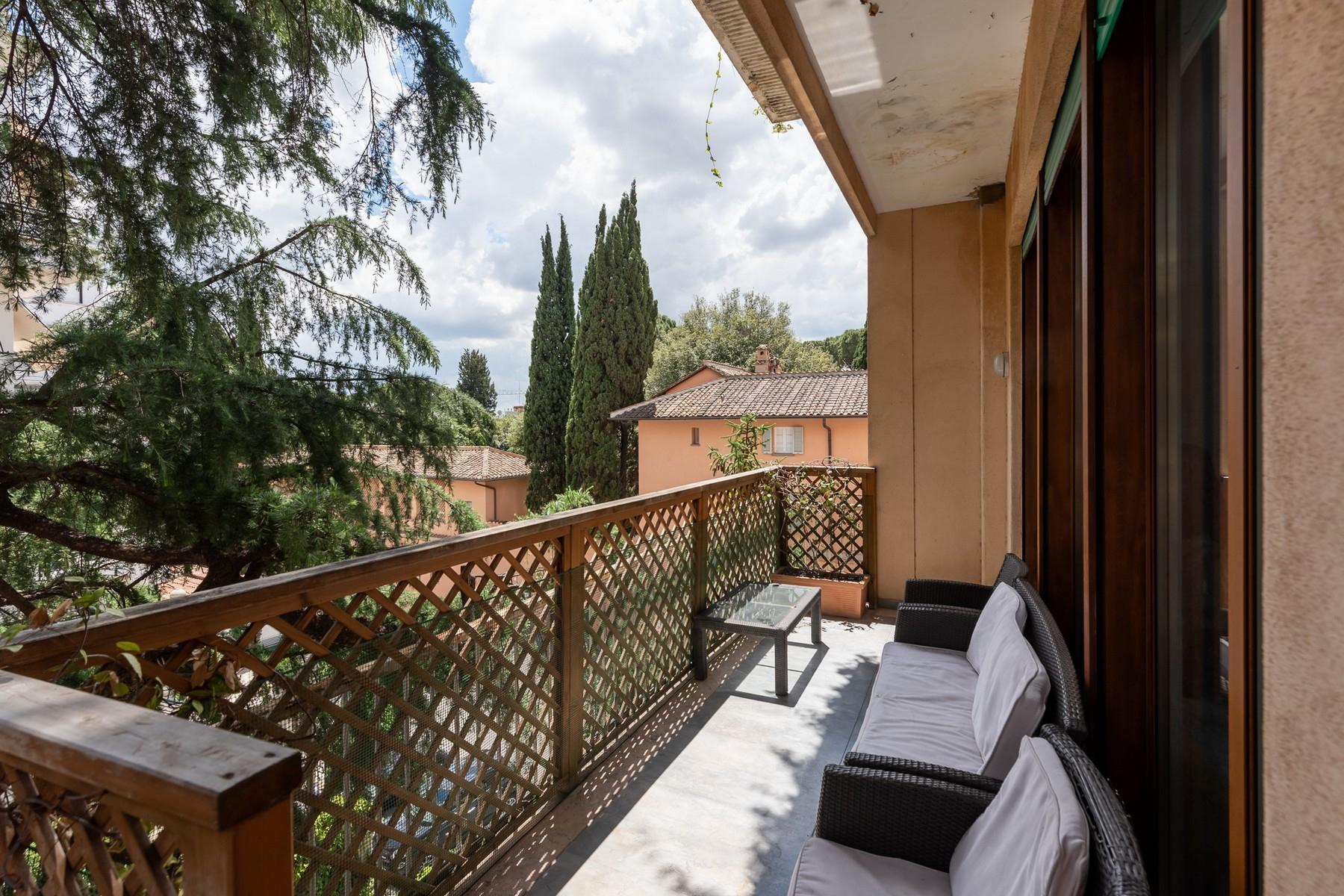 Wide and bright apartment overlooking Villa Borghese - 12