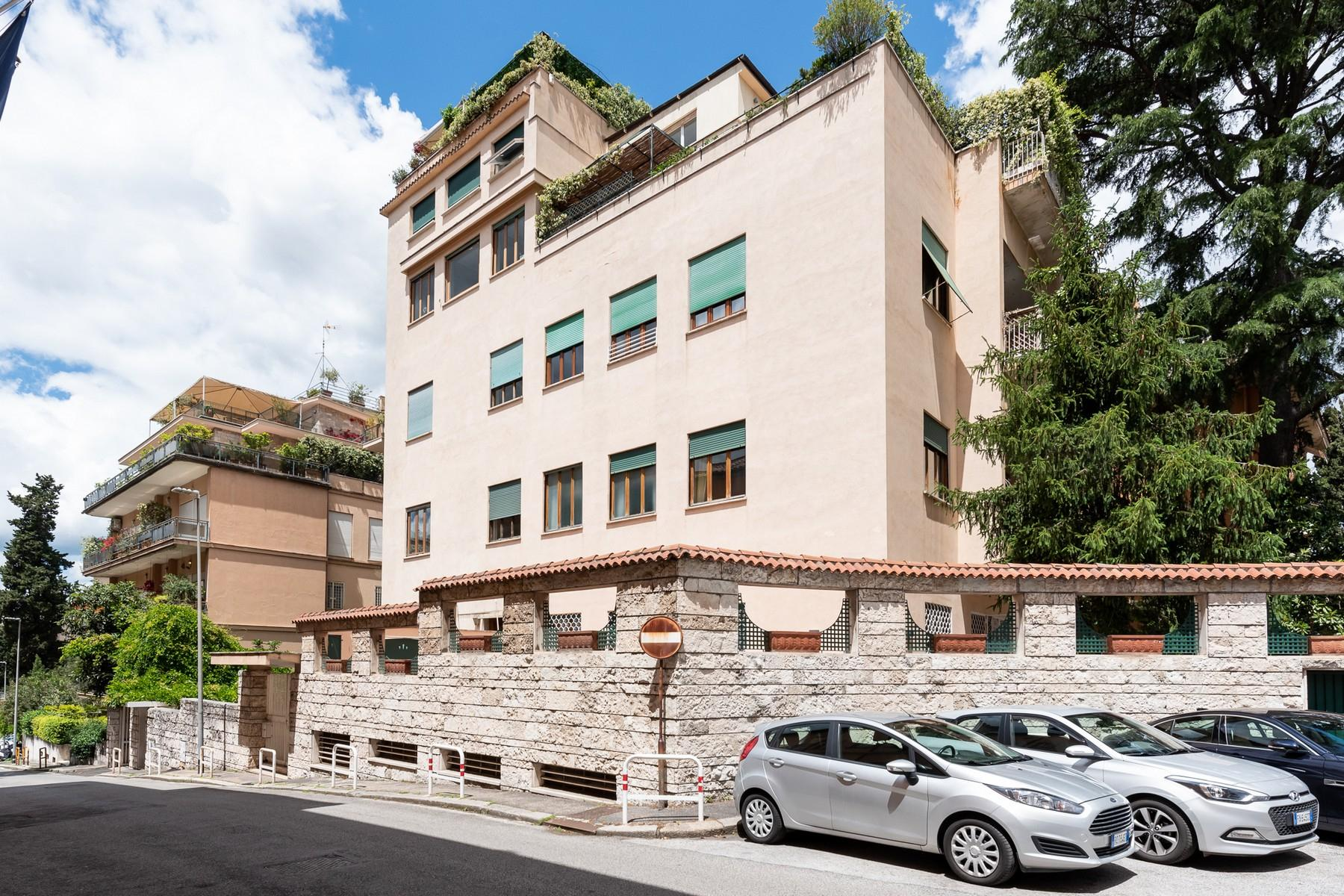 Wide and bright apartment overlooking Villa Borghese - 20